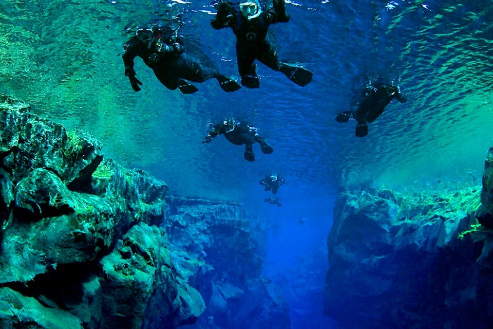 silfra snorkeling tour in iceland
