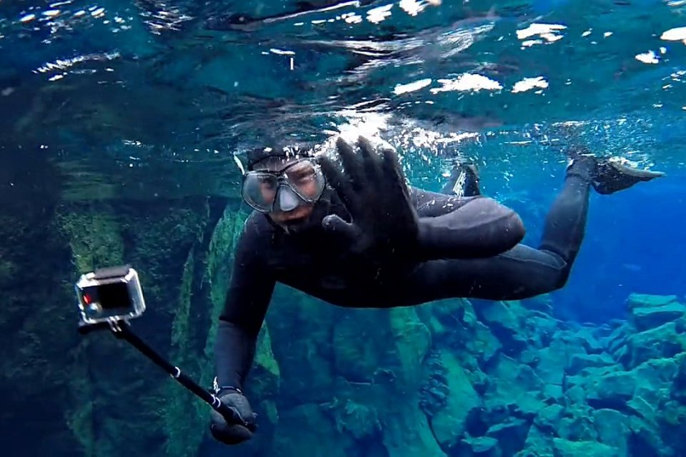 Silfra Snorkeling Day Tour - Diving & SnorkelingImmerse yourself in the clearest water in the world and float between two continents in Iceland!