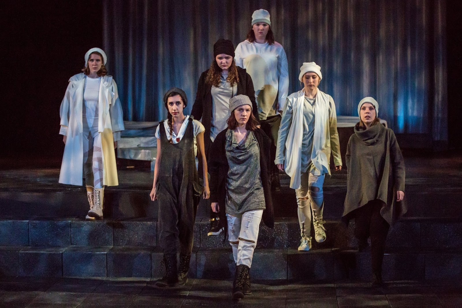 Marilyn Arnold, Parvuna Sulaiman, Tori Thomas, Erica Withrow, Claire Cunningham, Nick Balint and Miranda Jagels Félix in SLU's production of Antigone, October 2017.