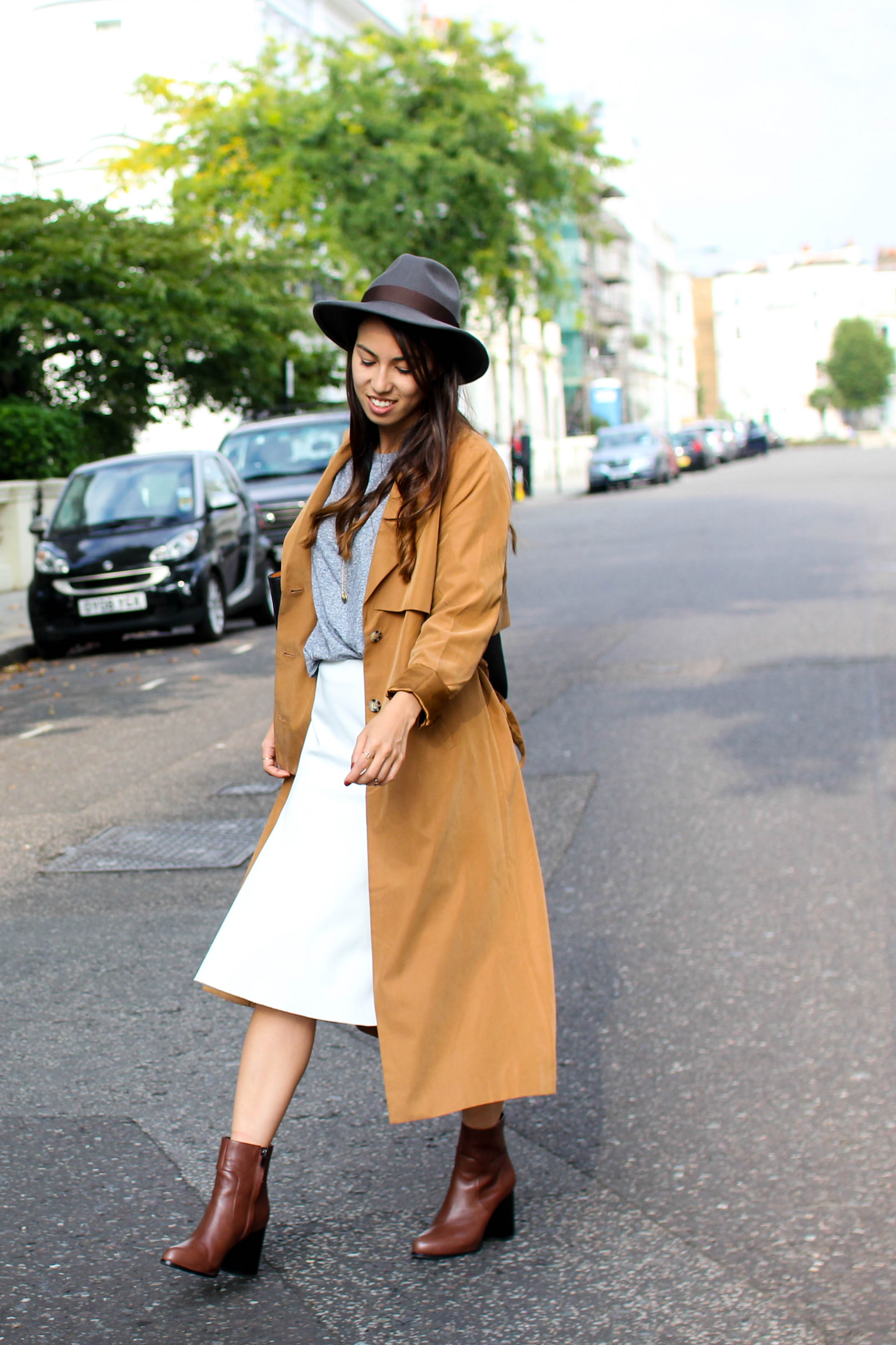 coat: Monki, skirt: Zara, shirt and rings: Topshop, boots and necklace: &otherstories, hat and bag: Brick Lane markets