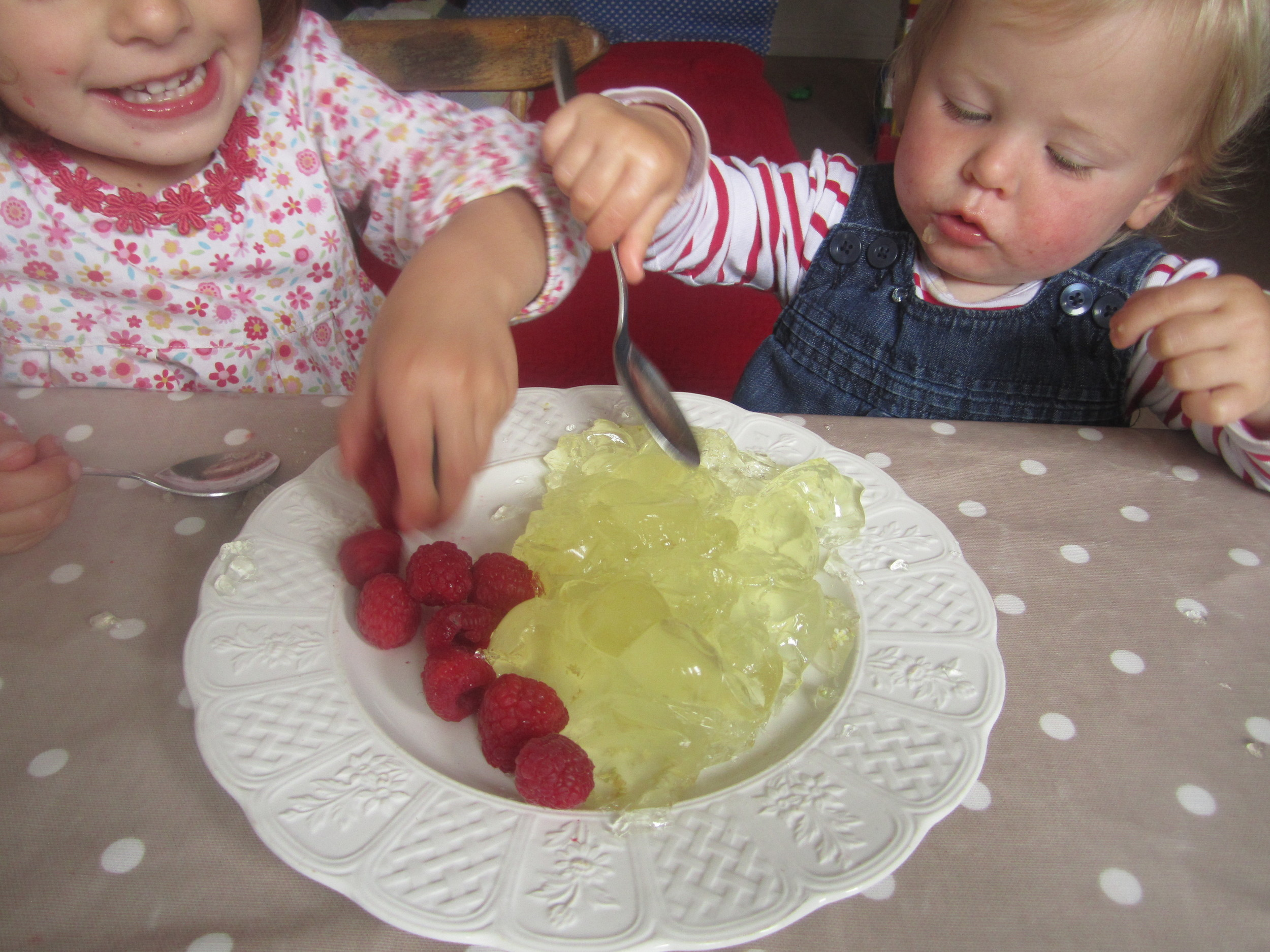 Ivy and Dot demolish an entire jelly. Almost.