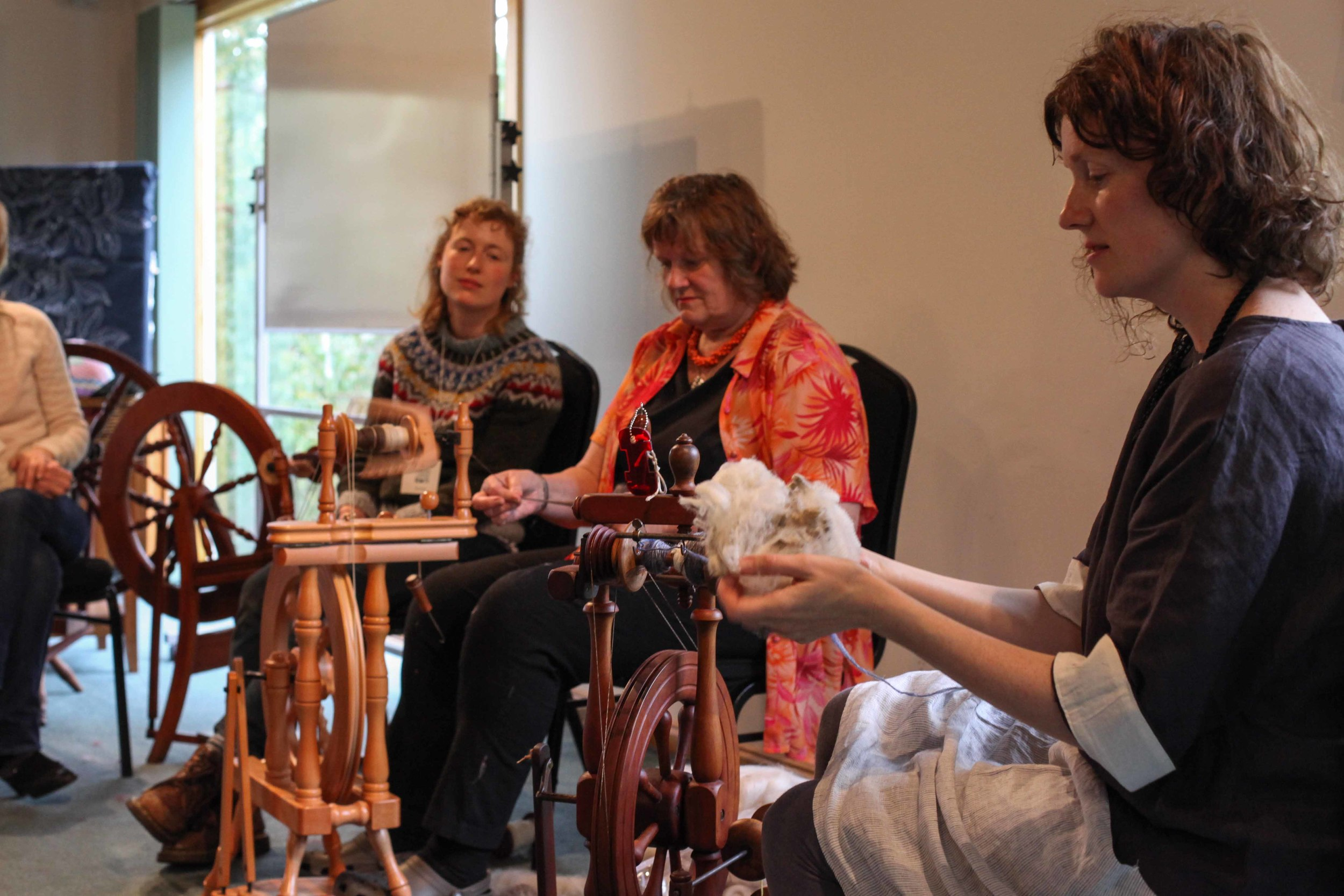 Spinning demonstration with Kate and her mum Judy.
