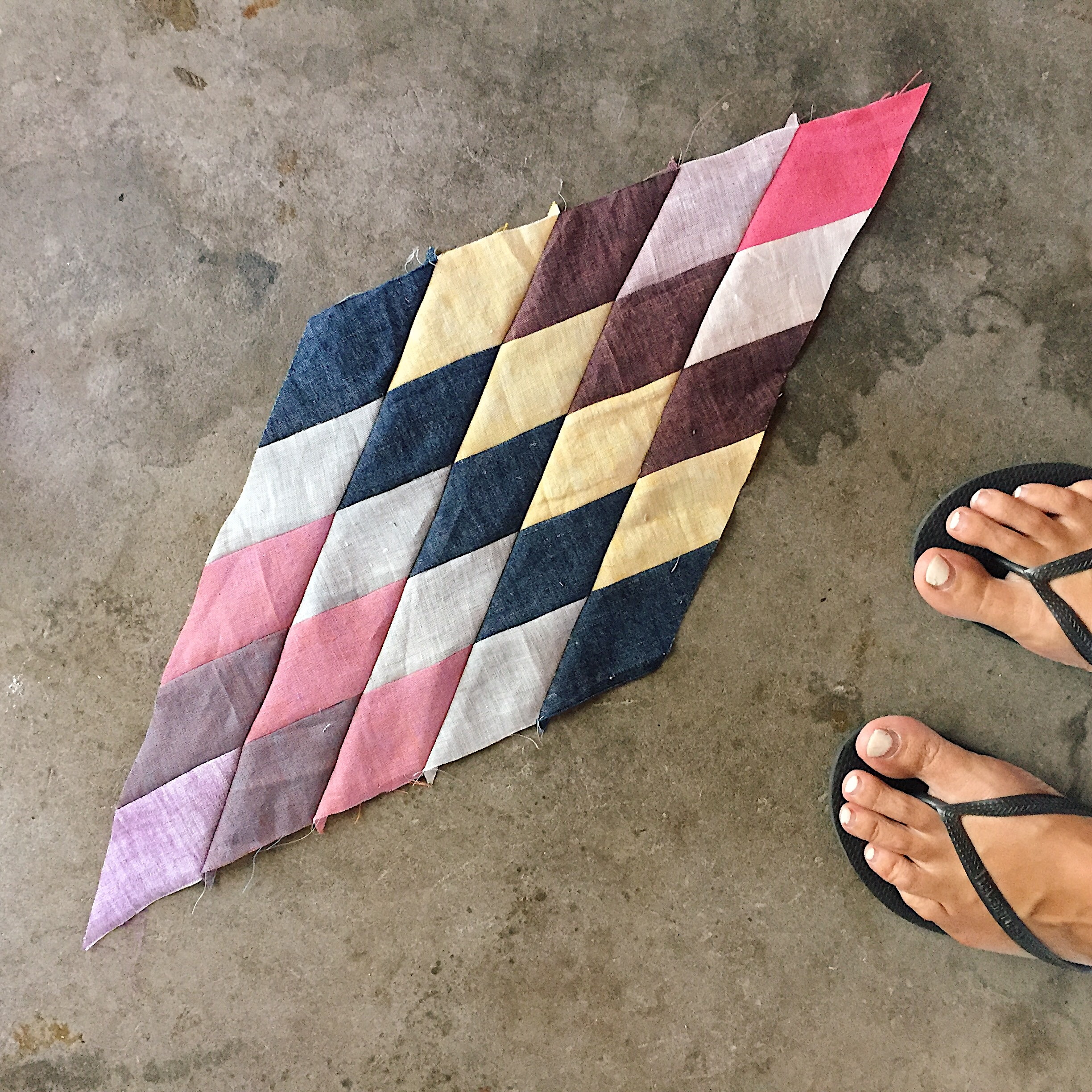 Distorted quilt piece (especially to the left of the picture) to match my chipped nailpolish?