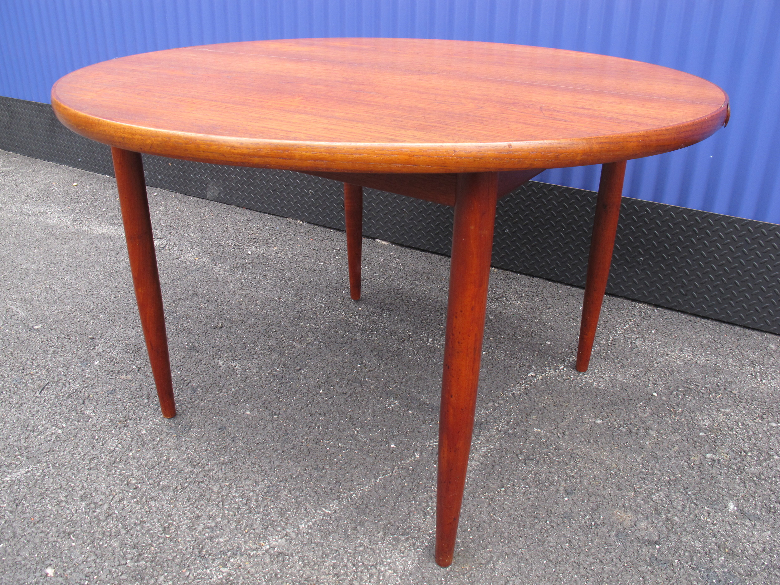 SWEDISH DUX ROUND DINING TABLE