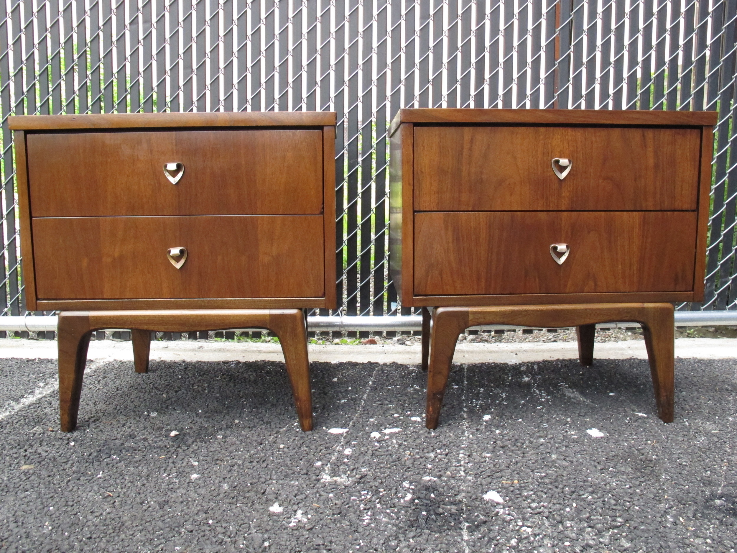 MID CENTURY NIGHTSTANDS BY UNITED