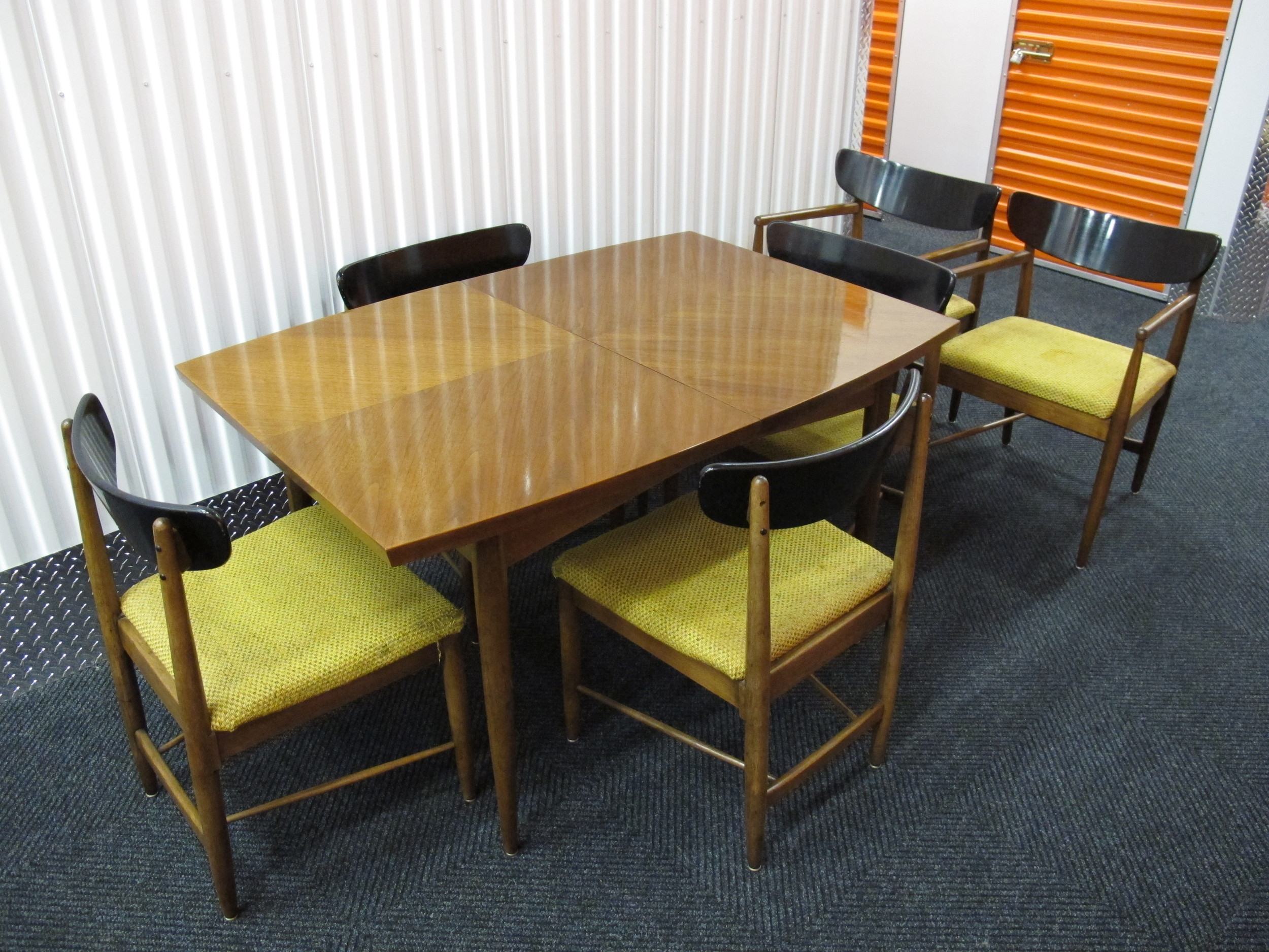 AMERICAN OF MARTINSVILLE DINING SET WITH EBONIZED SEAT BACKS
