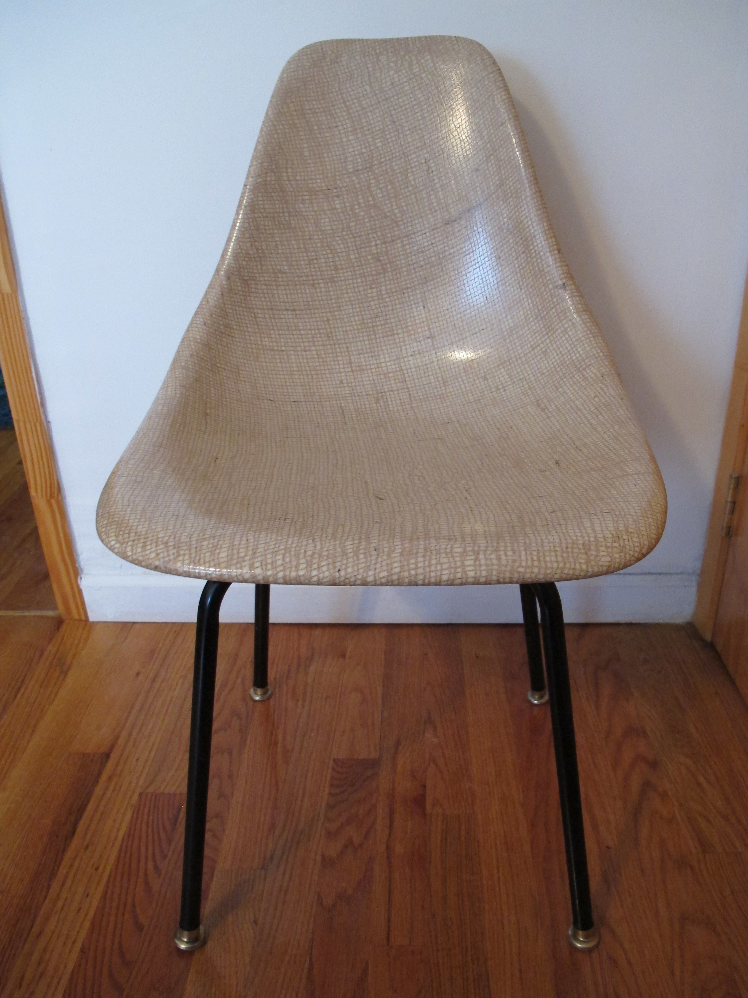 TAN WEAVE PATTERN EAMES STYLE SHELL CHAIR