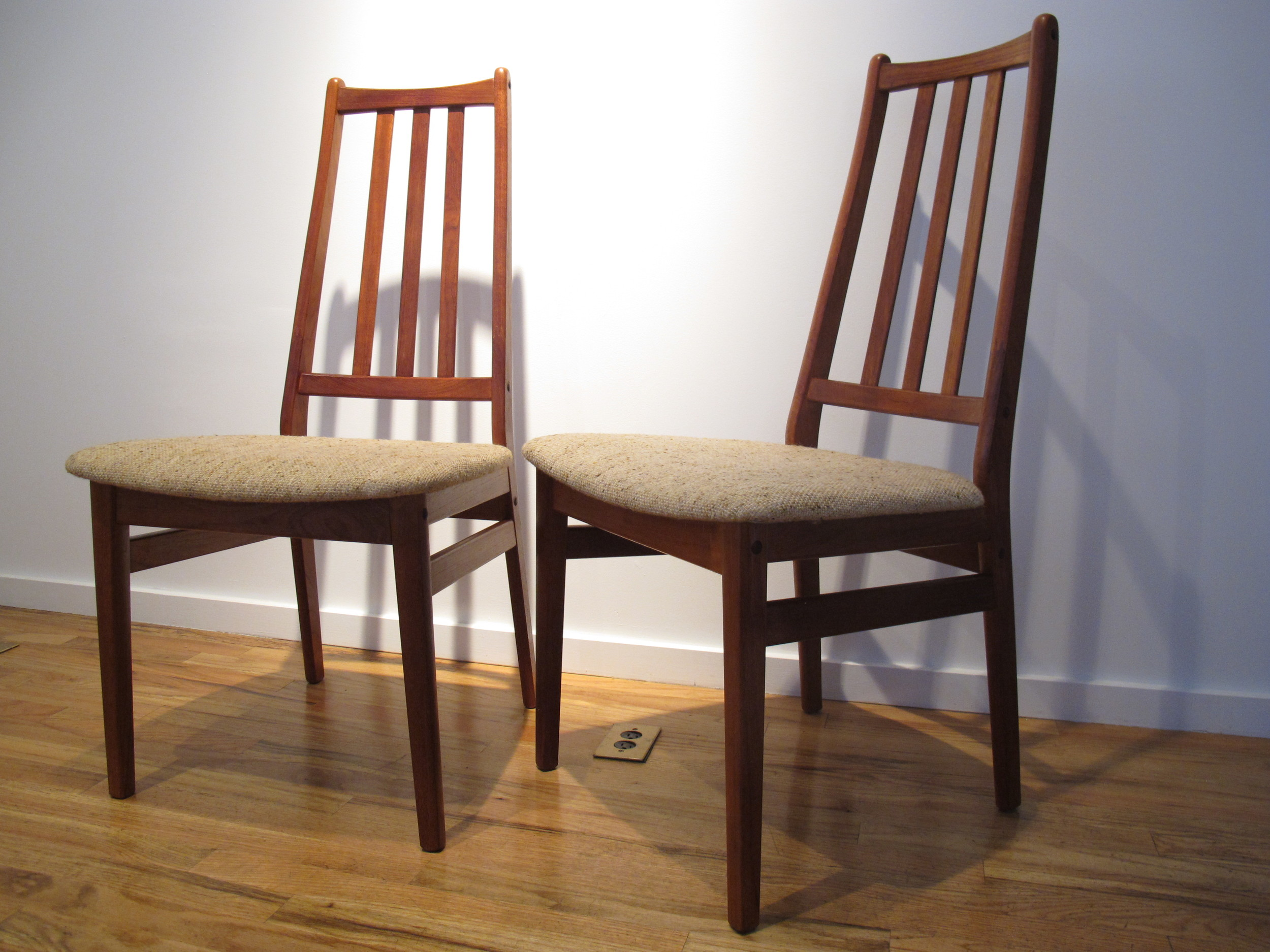 PAIR OF DANISH DINING CHAIRS STYLE AFTER NIELS KOEFOED