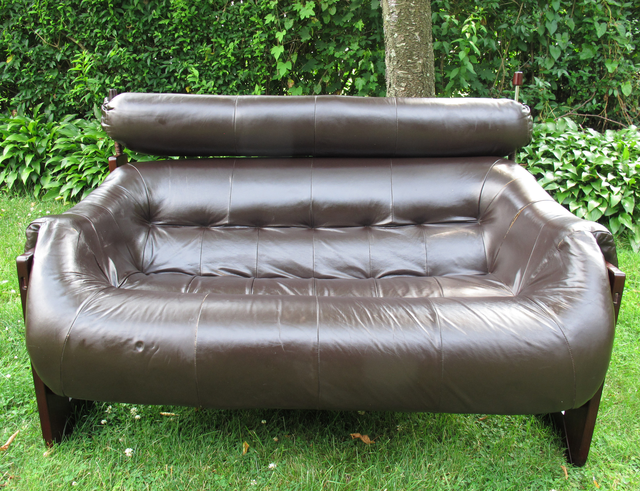 PERCIVAL LAFER LEATHER & ROSEWOOD LOVESEAT