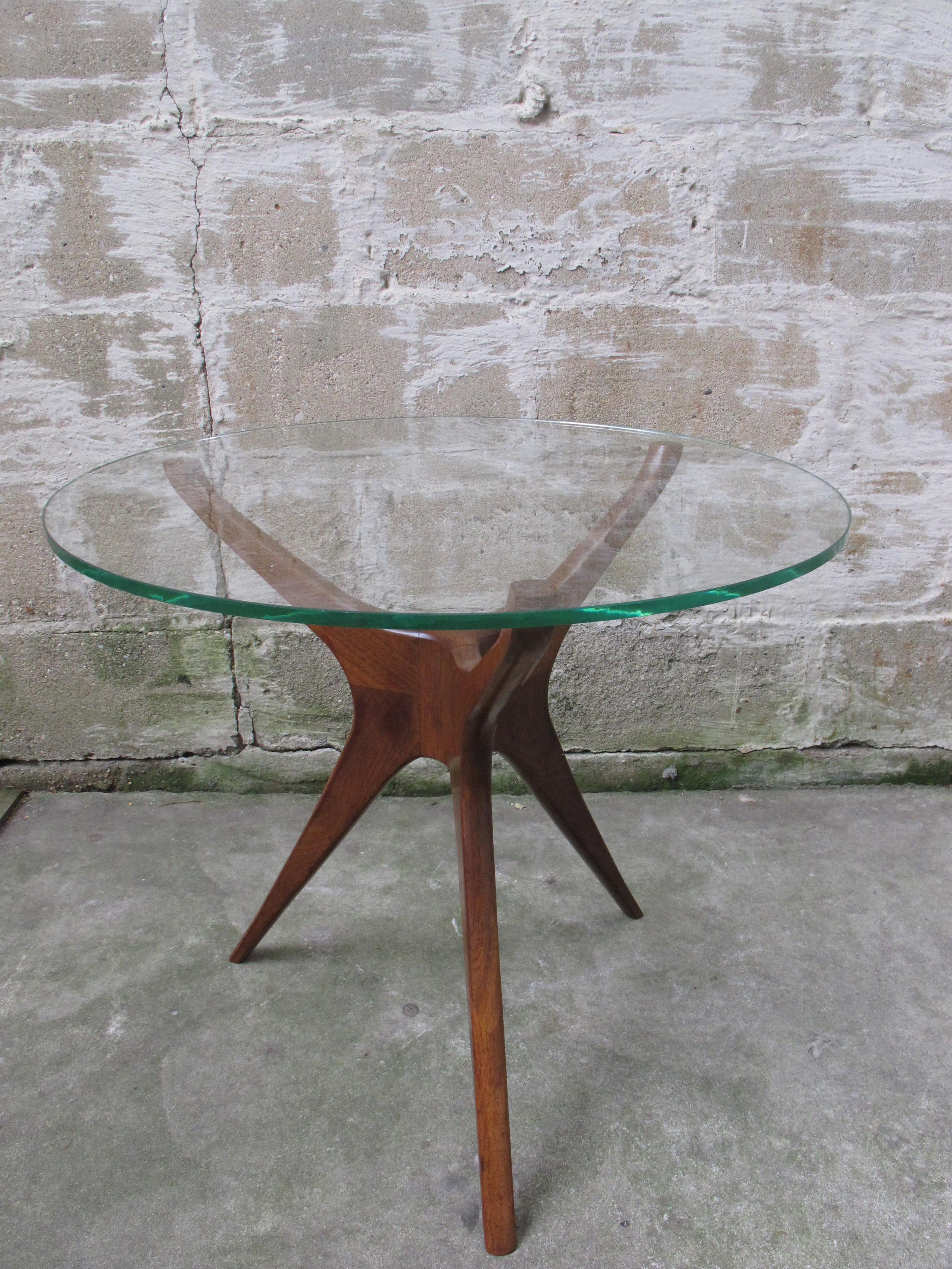 KAGAN STYLE MID CENTURY WALNUT & GLASS SIDE TABLE