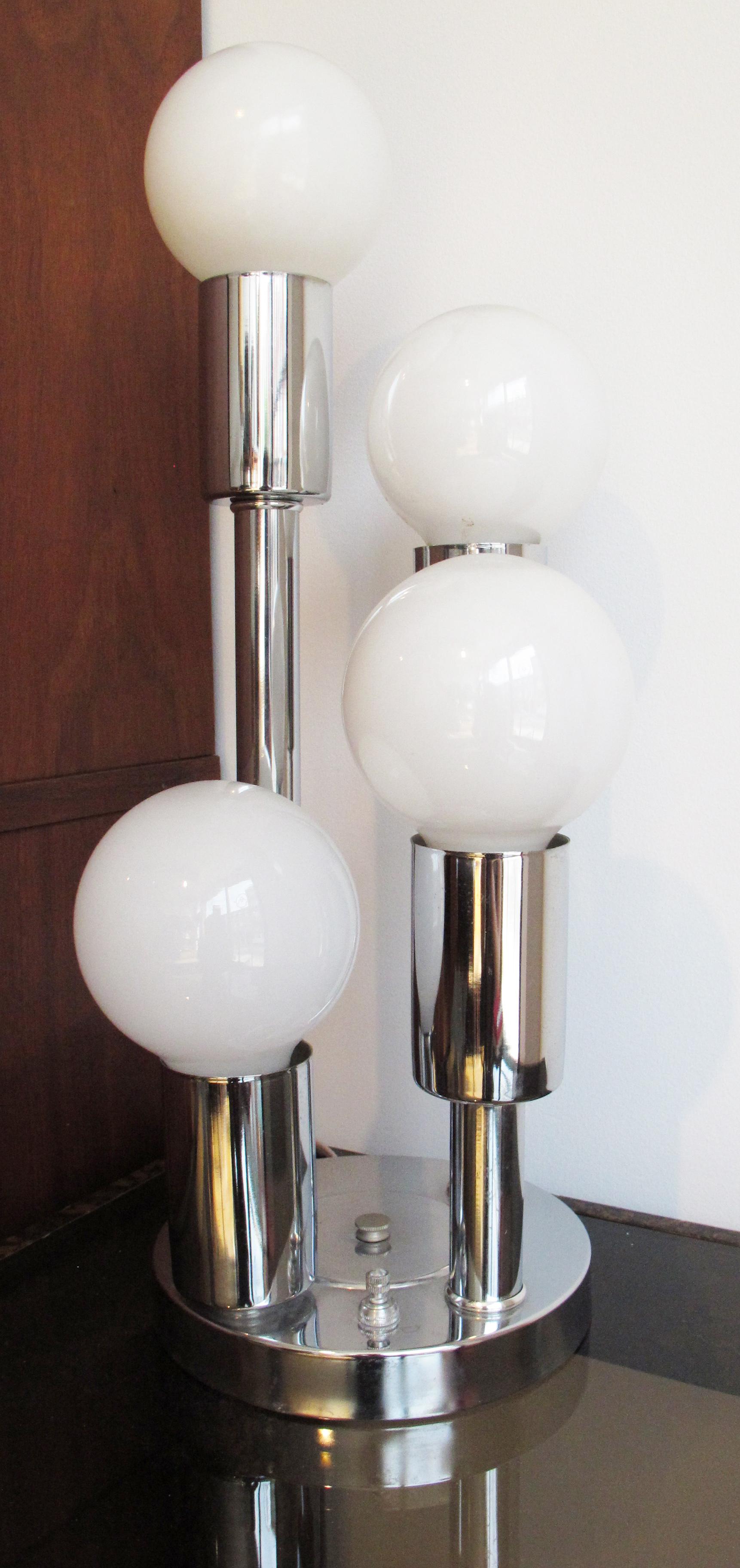 MID CENTURY CHROME TABLE LAMP WITH BALL LIGHTBULBS
