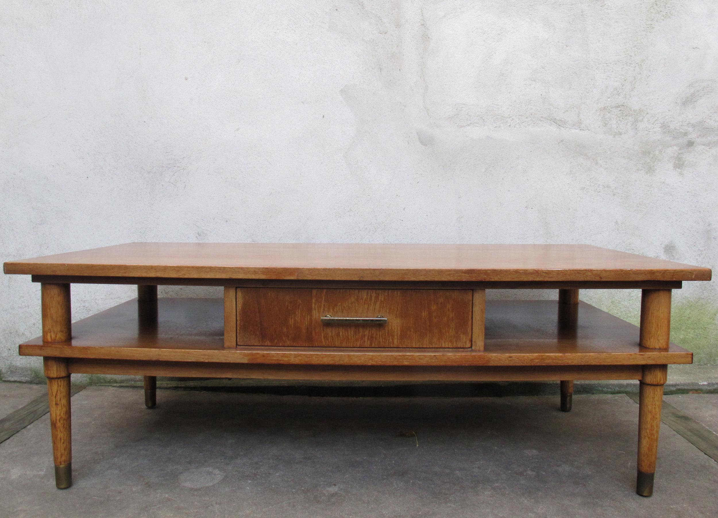 MID CENTURY OAK COFFEE TABLE BY DREXEL