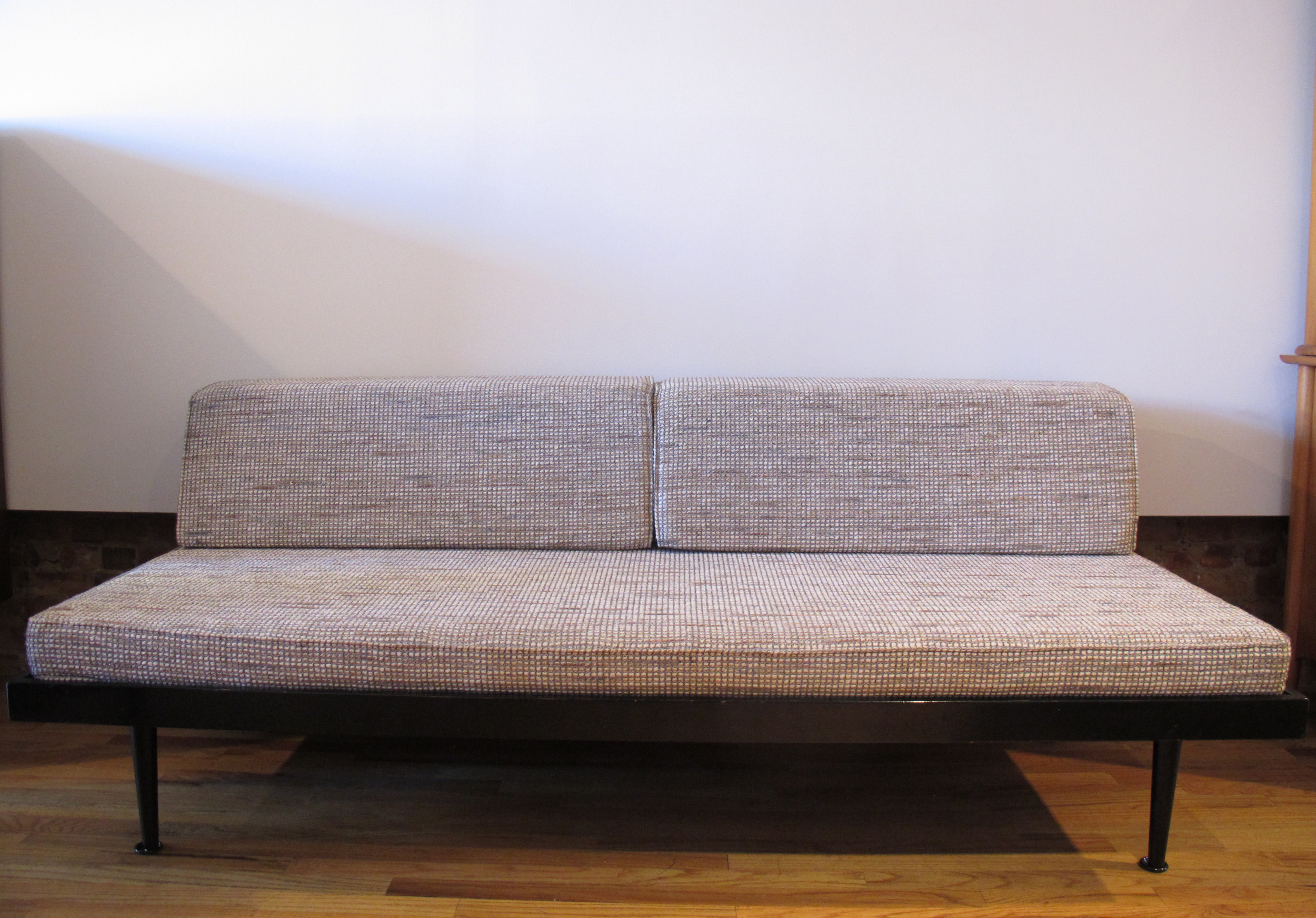 MID CENTURY MODERN 1960s DAYBED