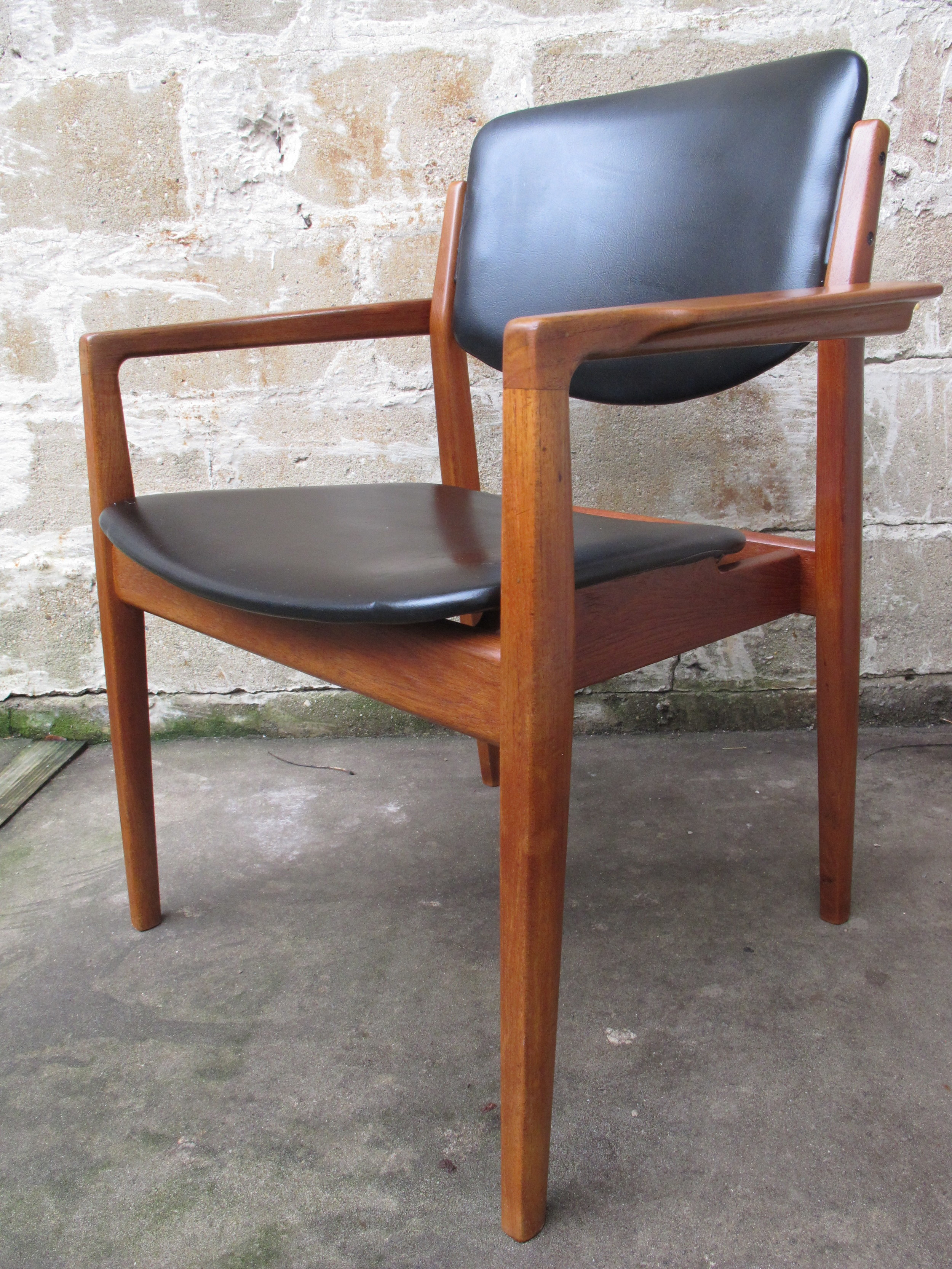 DANISH MODEL 196 ARMCHAIR BY FINN JUHL MANUFACTURED BY FRANCE AND SON & IMPORTED BY JOHN STUART