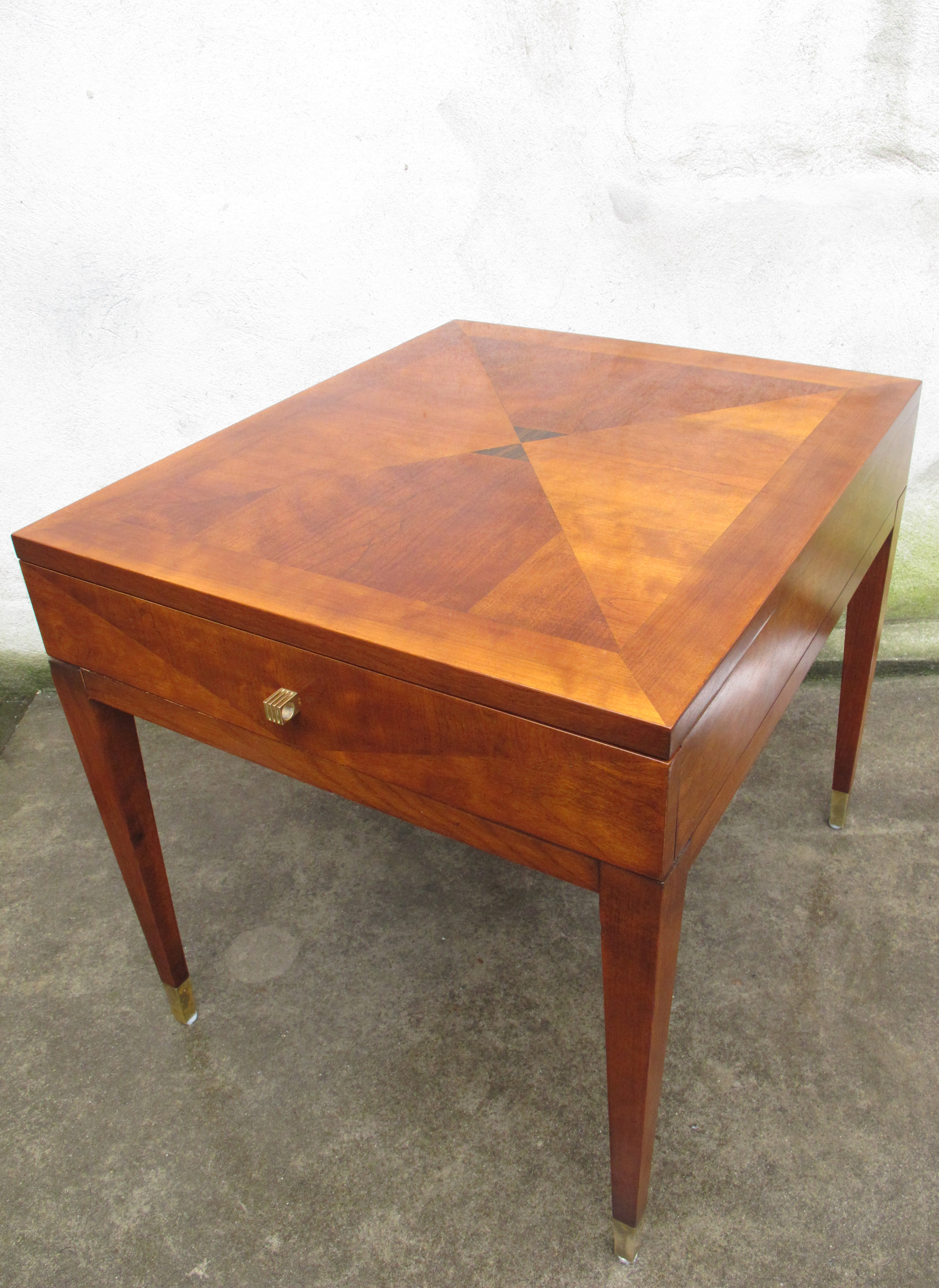 HENREDON SCENE 4 MID CENTURY AND DECO STYLE END TABLE