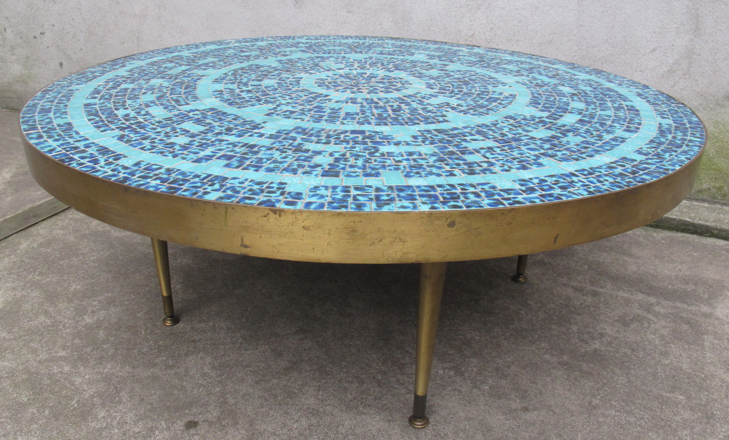 MID CENTURY ROUND BRASS AND BLUE MOSAIC TILE COFFEE TABLE