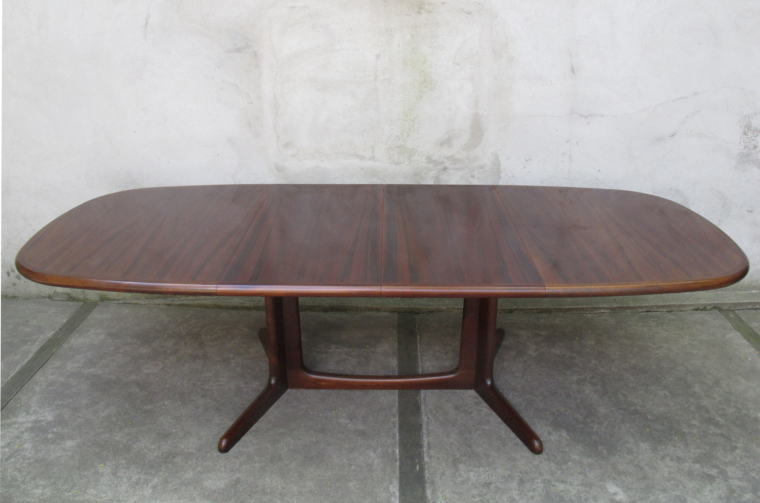 DANISH ROSEWOOD DINING TABLE BY NEILS O. MOLLER FOR GUDME