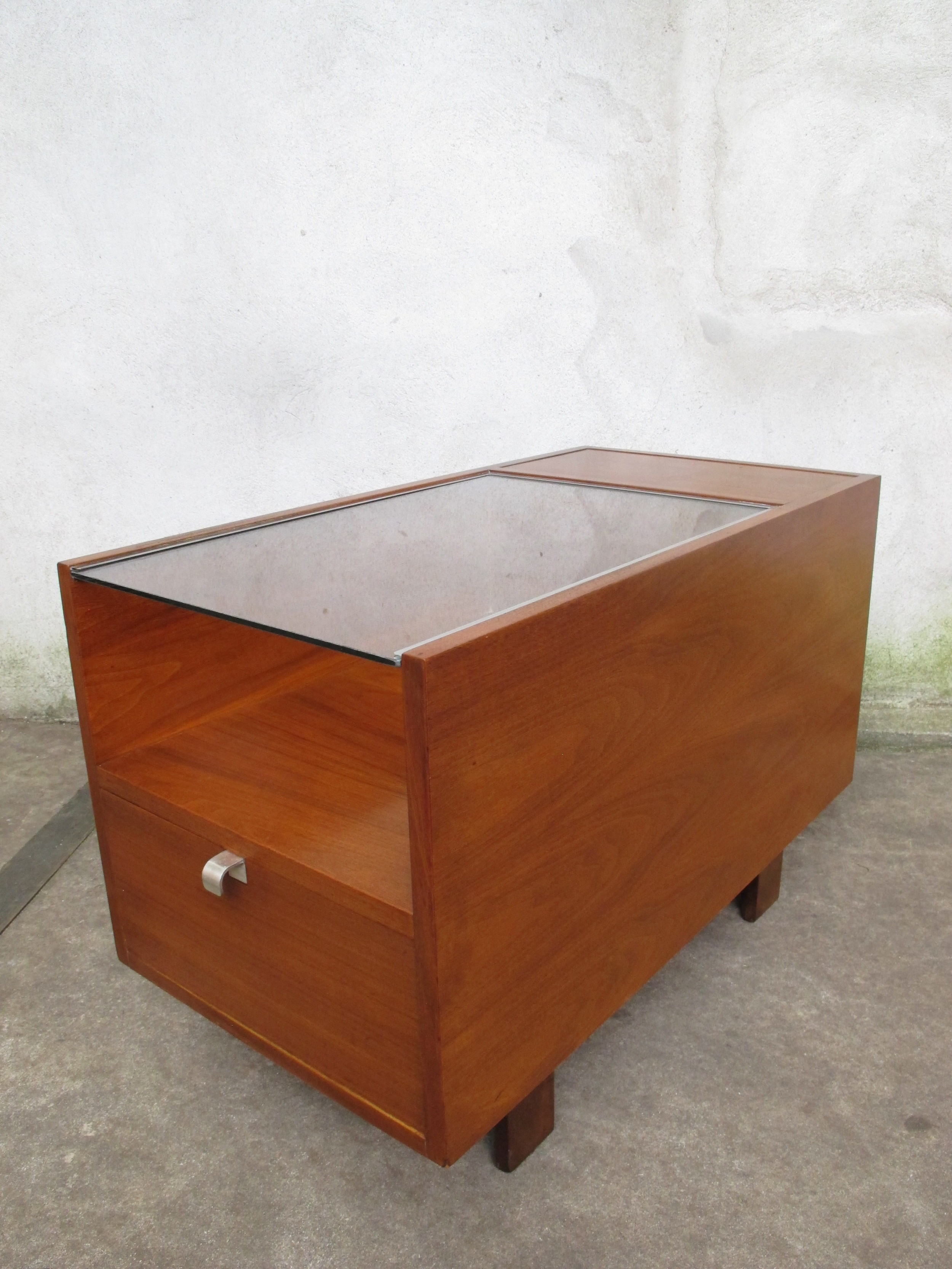 MID CENTURY HERMAN MILLER WALNUT SIDE TABLE BY GEORGE NELSON