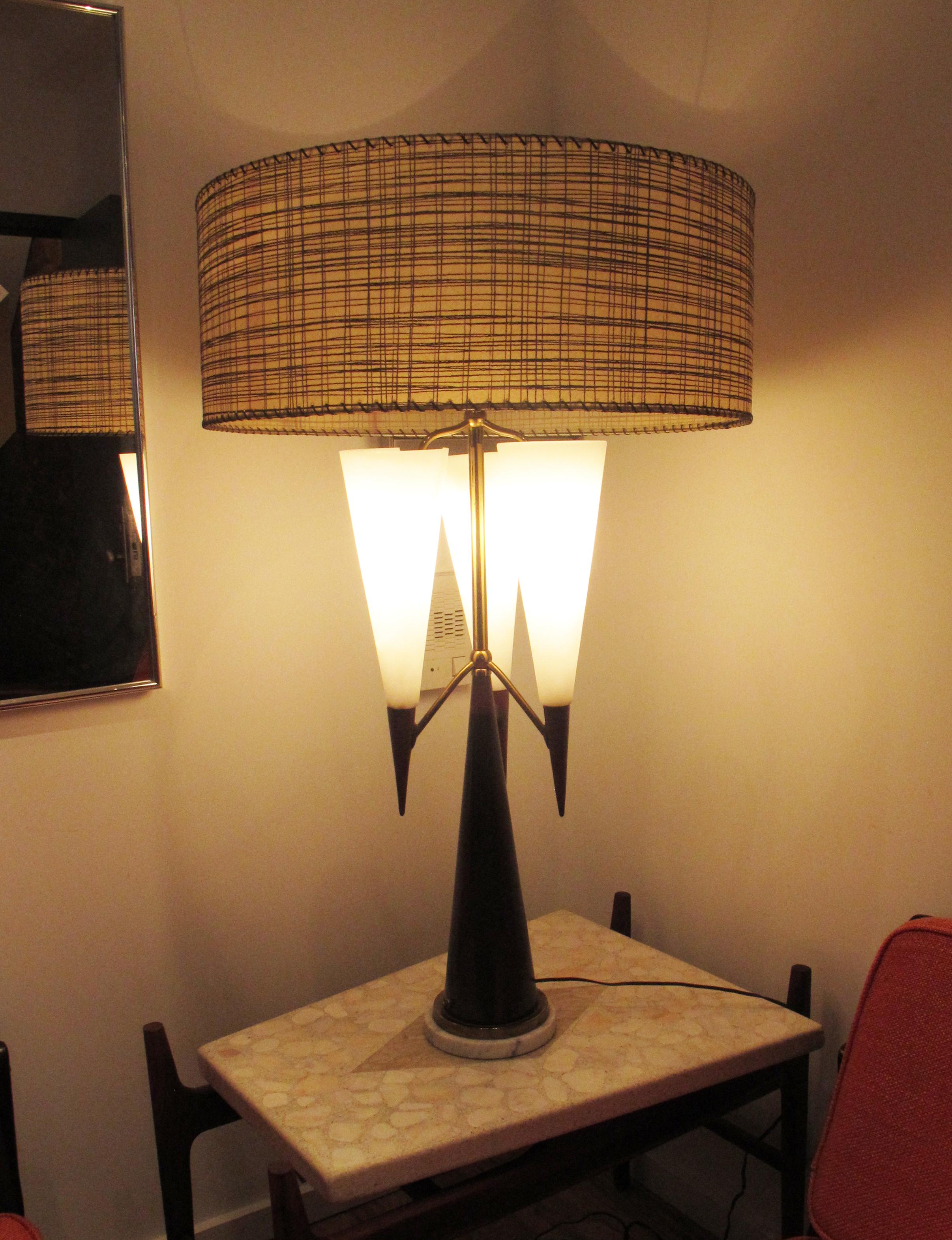 GRAND MID CENTURY PONTI STYLE TABLE LAMP