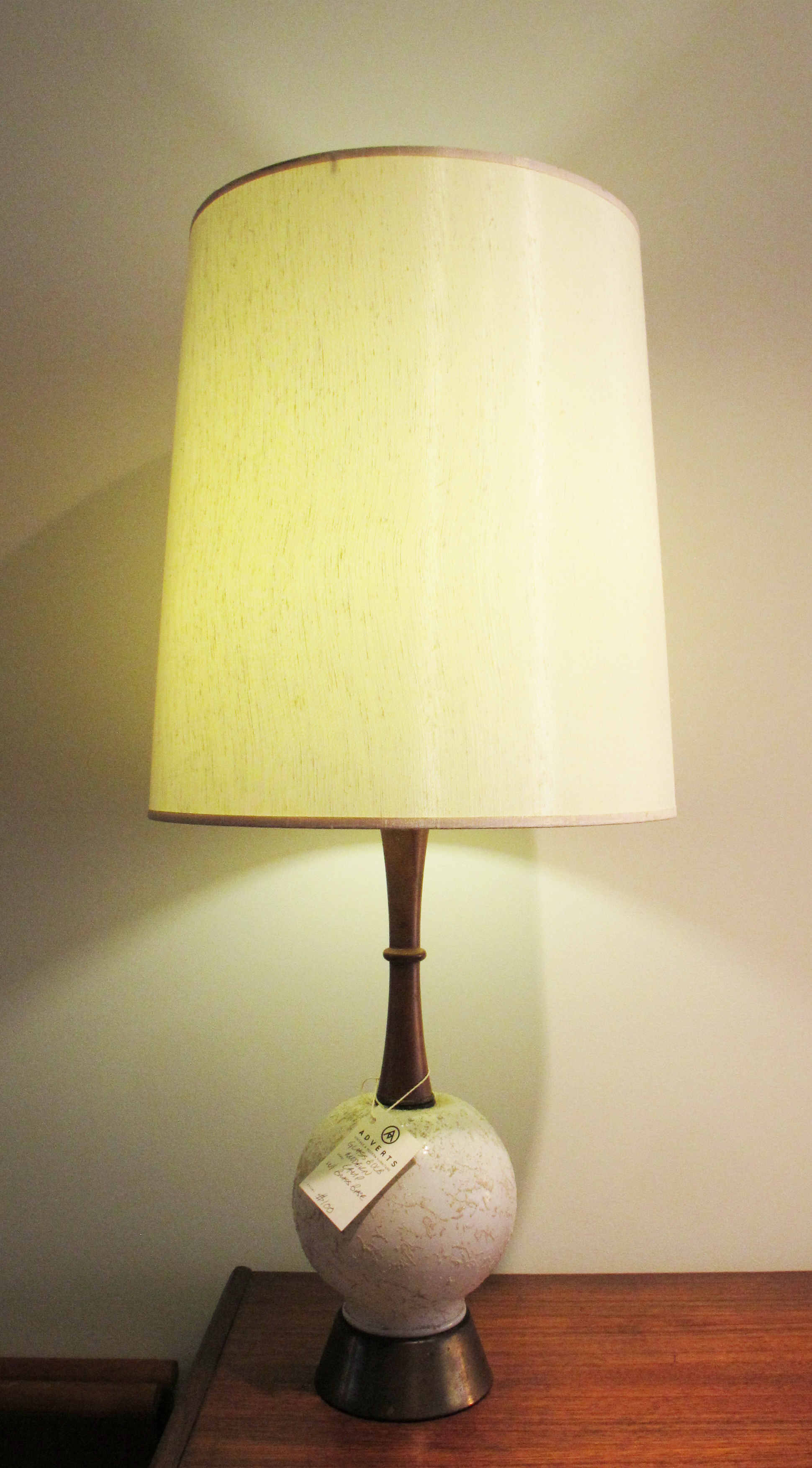 MID CENTURY WOOD, GLASS, AND BRASS TABLE LAMP