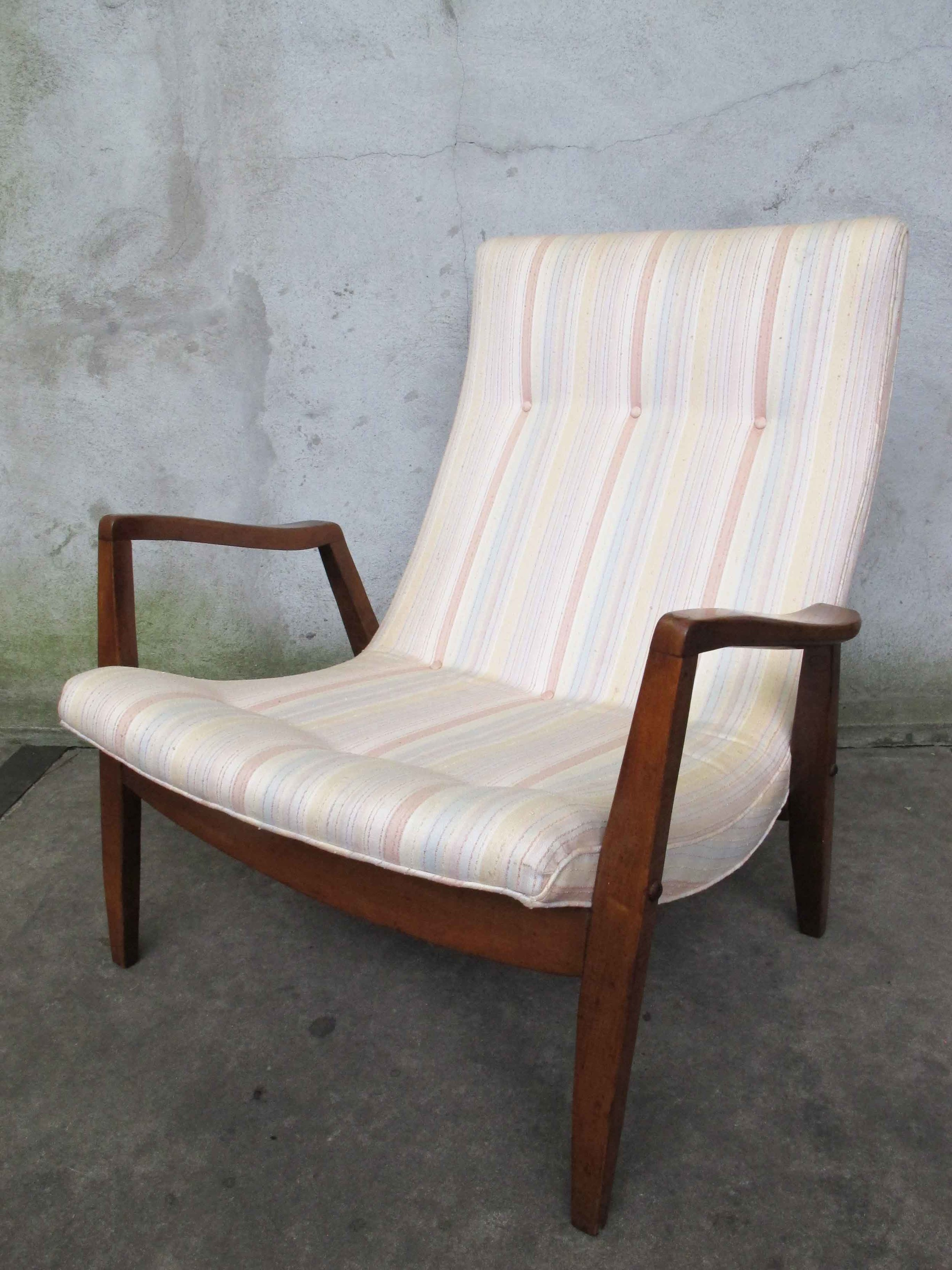 MID CENTURY SCOOP LOUNGE CHAIR BY MILO BAUGHMAN