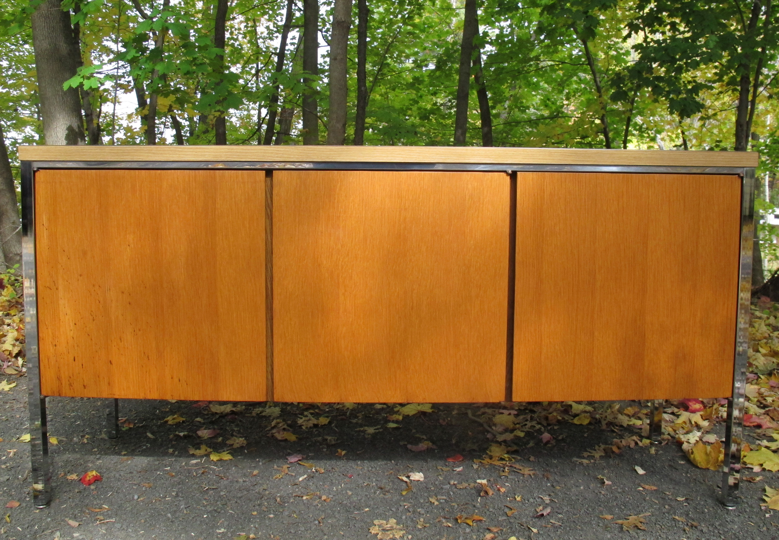 KNOLL STYLE MID CENTURY CREDENZA
