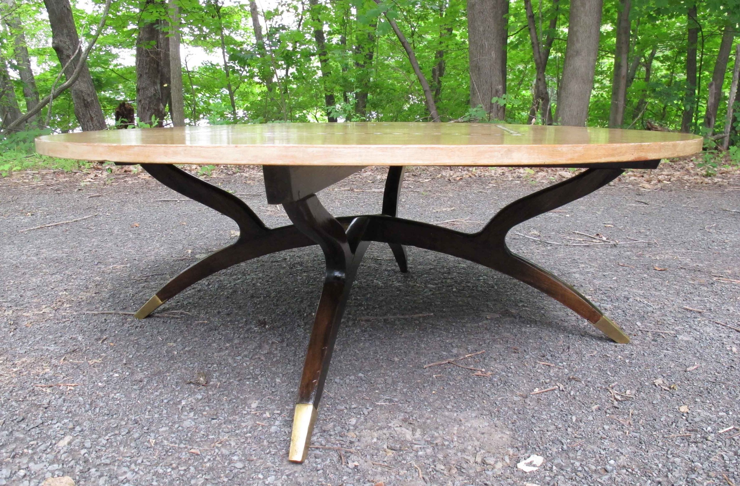 MID CENTURY ROUND SPIDER LEG COFFEE TABLE WITH INLAID TOP