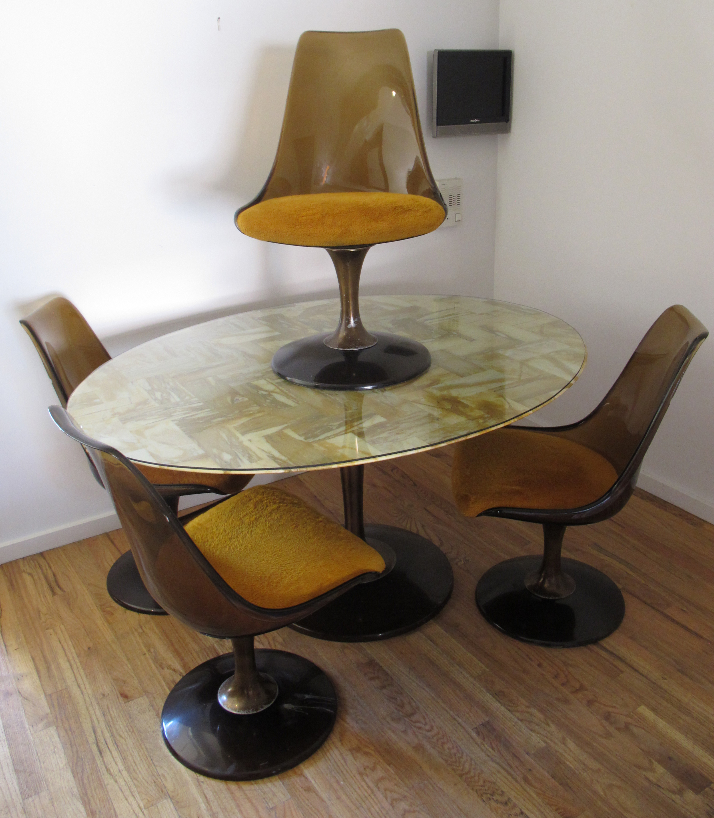 MID CENTURY CHROMCRAFT MARQUISE OVAL DINING TABLE & CHAIRS AFTER SAARINEN