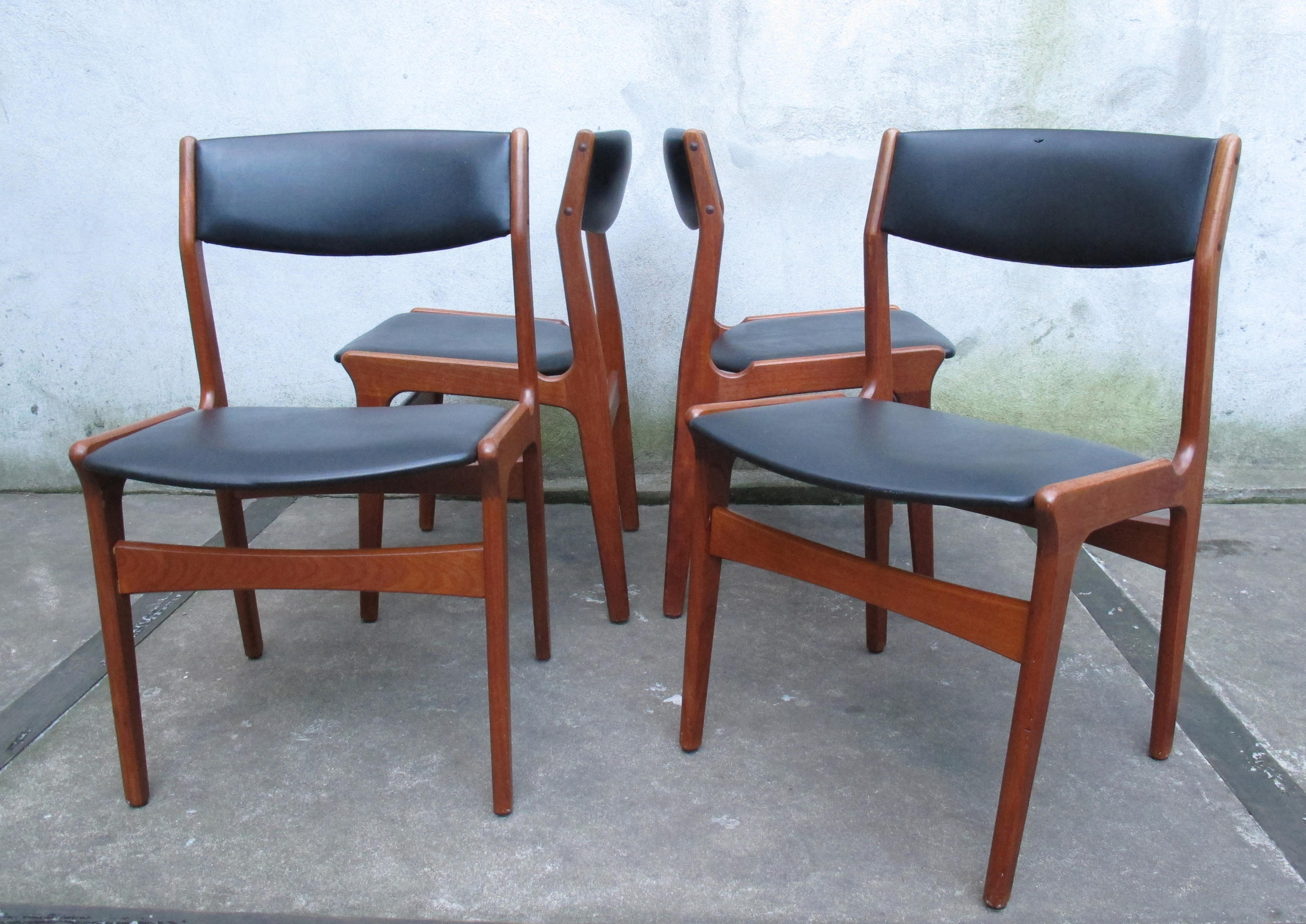 SET OF DANISH MODERN TEAK DINING CHAIRS BY DYRLUND