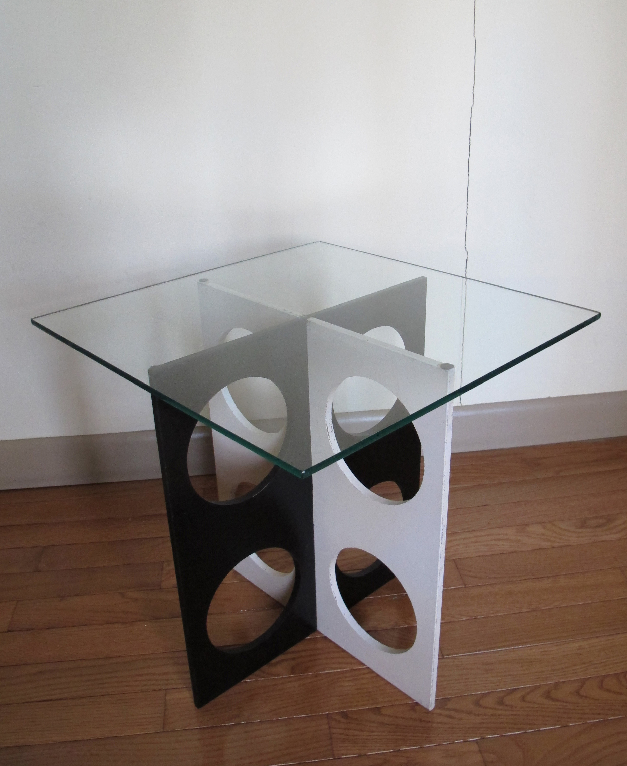 MID CENTURY MOD BLACK & WHITE GLASS TOP SIDE TABLE
