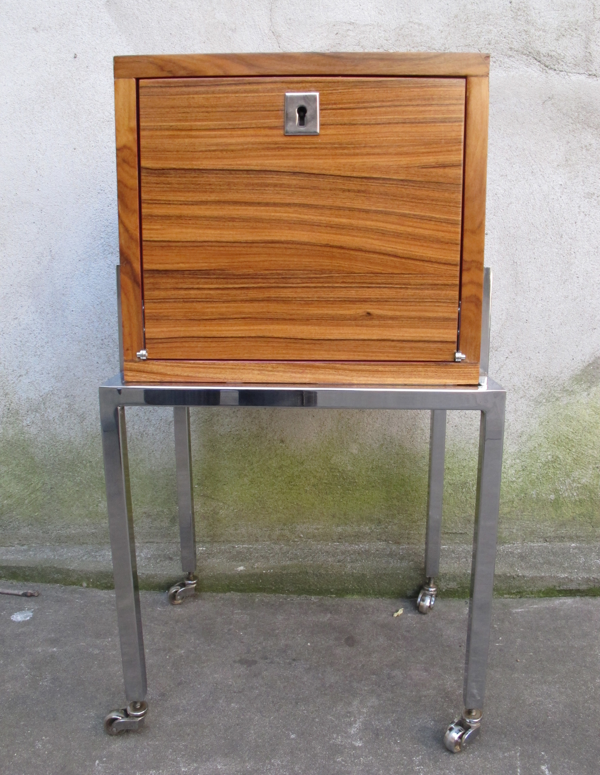 MID CENTURY STYLE CHROME ROLLING HUMIDOR