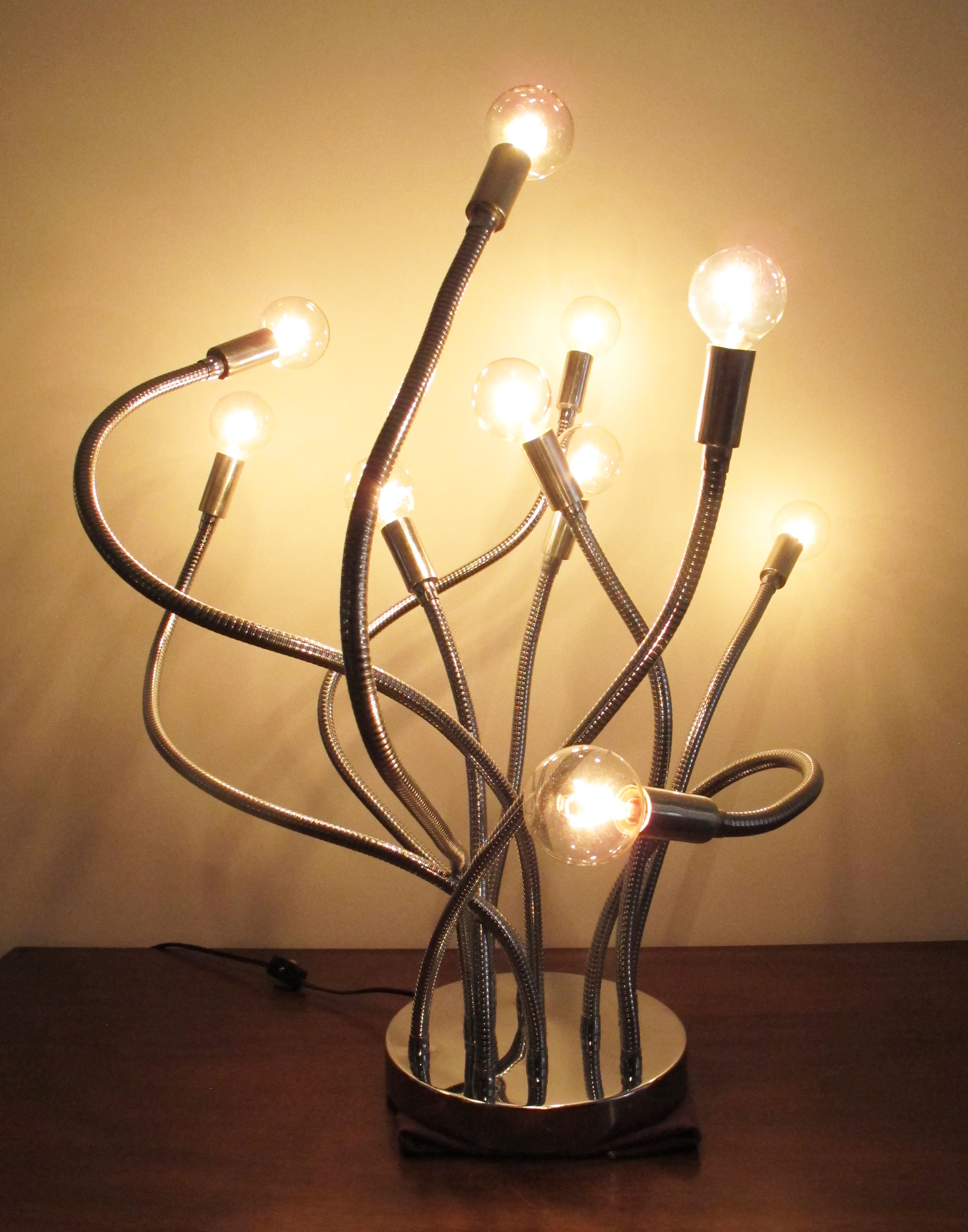 MID CENTURY MODERN TEN-BULB MEDUSA CHROME TABLE LAMP