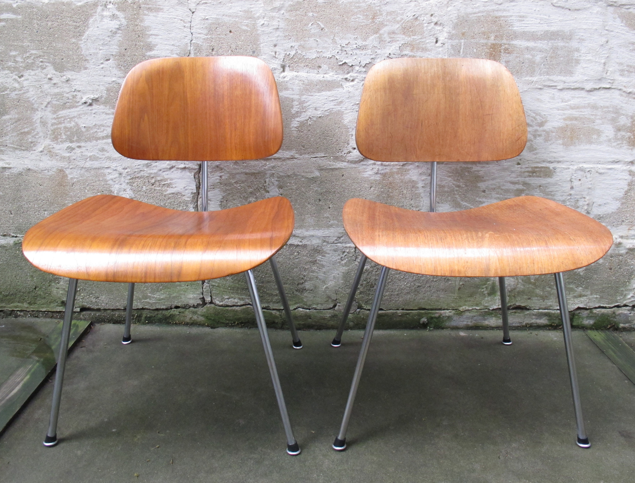 MID CENTURY EAMES MOLDED PLYWOOD 'DCM' CHAIRS BY HERMAN MILLER