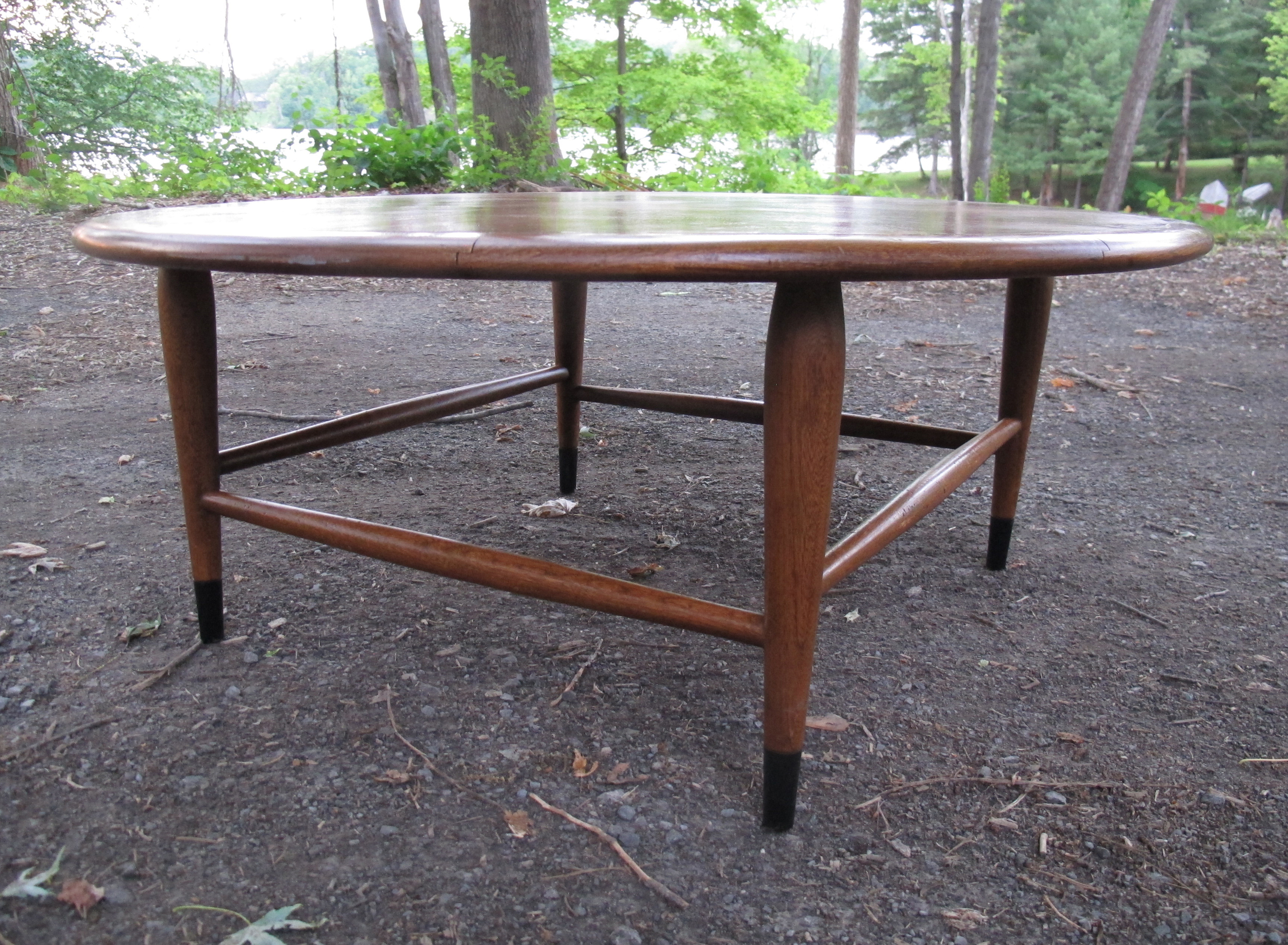LANE ACCLAIM MID CENTURY ROUND COFFEE TABLE