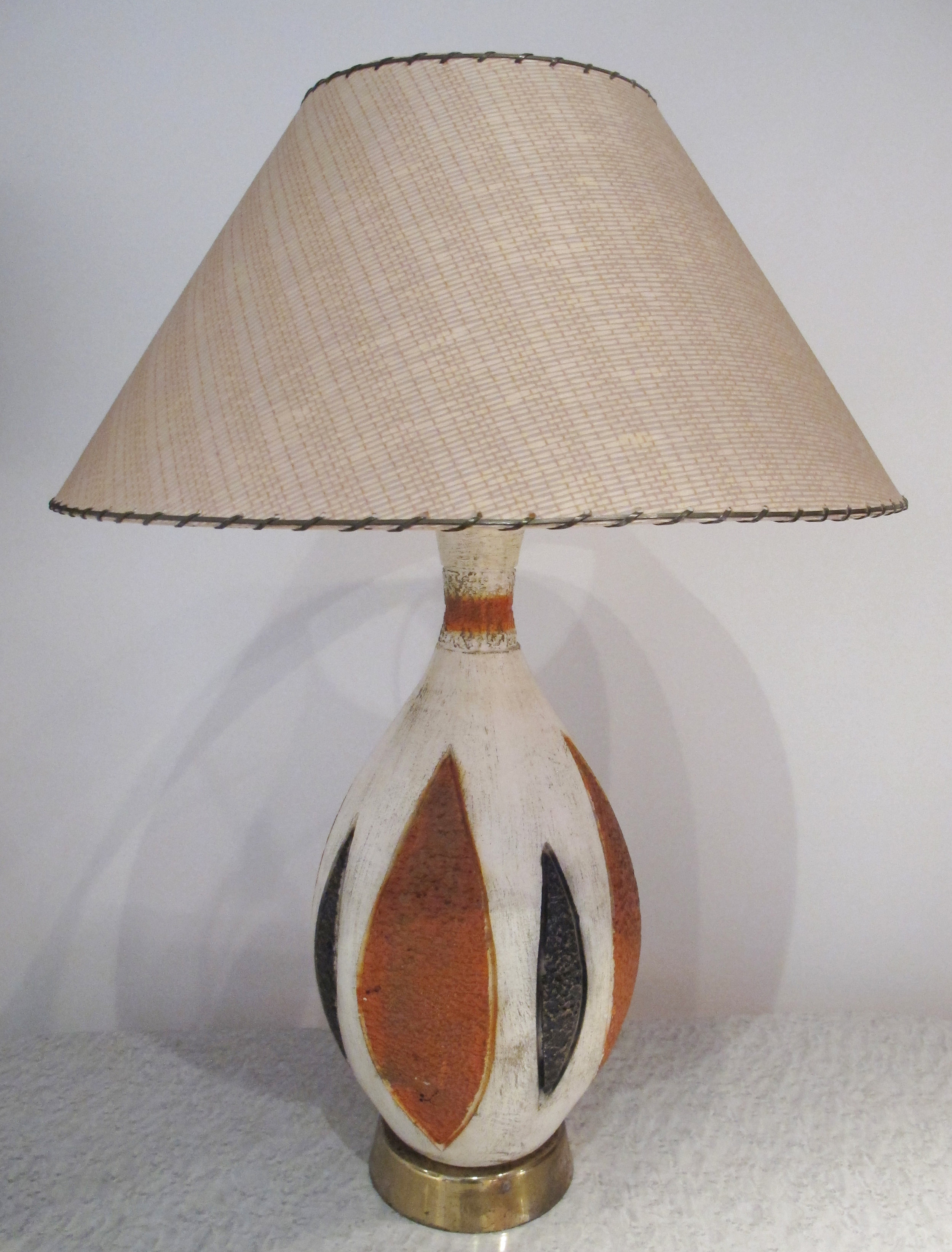MID CENTURY CERAMIC LAMP WITH BRASS BASE