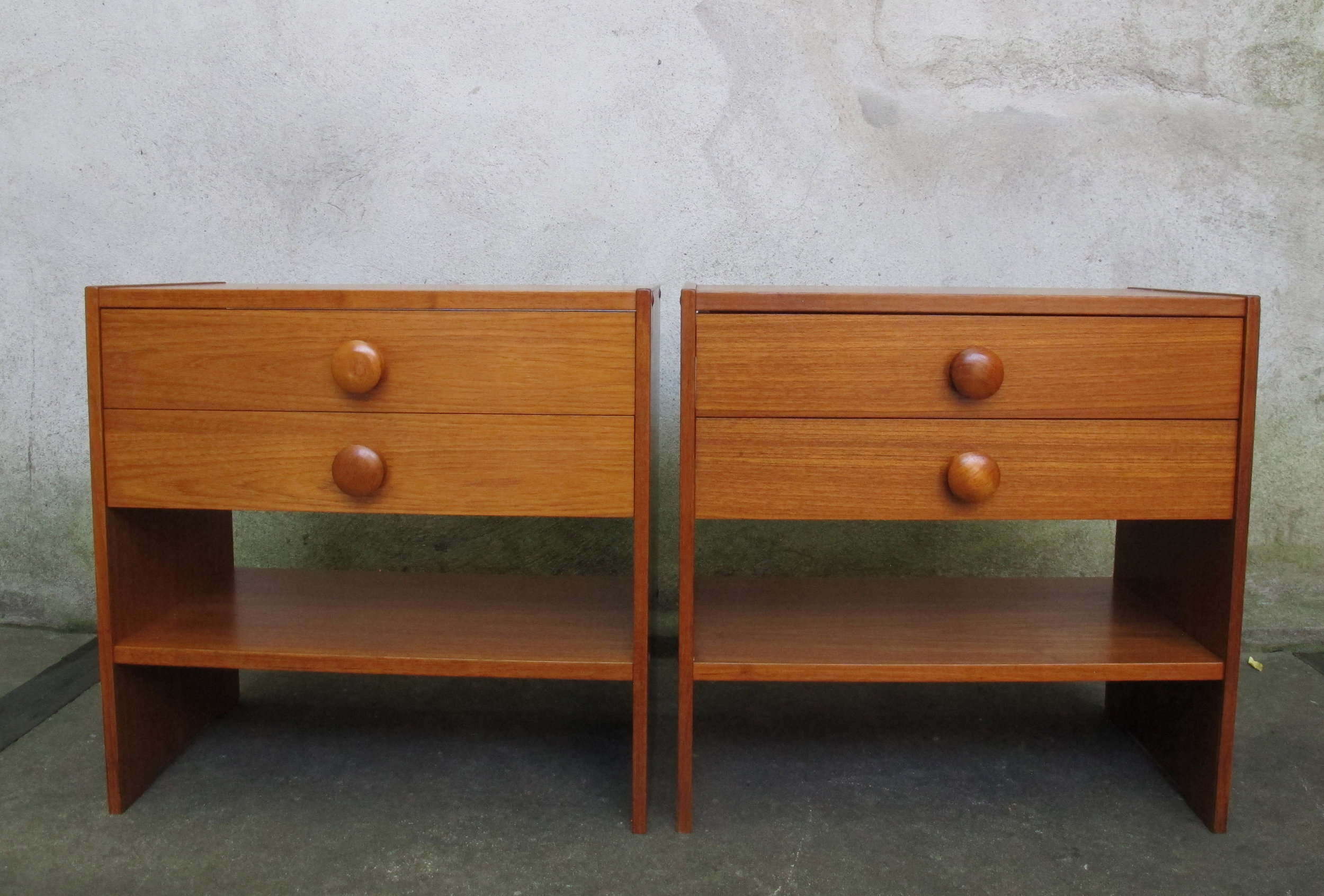 PAIR OF DANISH MODERN STYLE TEAK NIGHTSTANDS