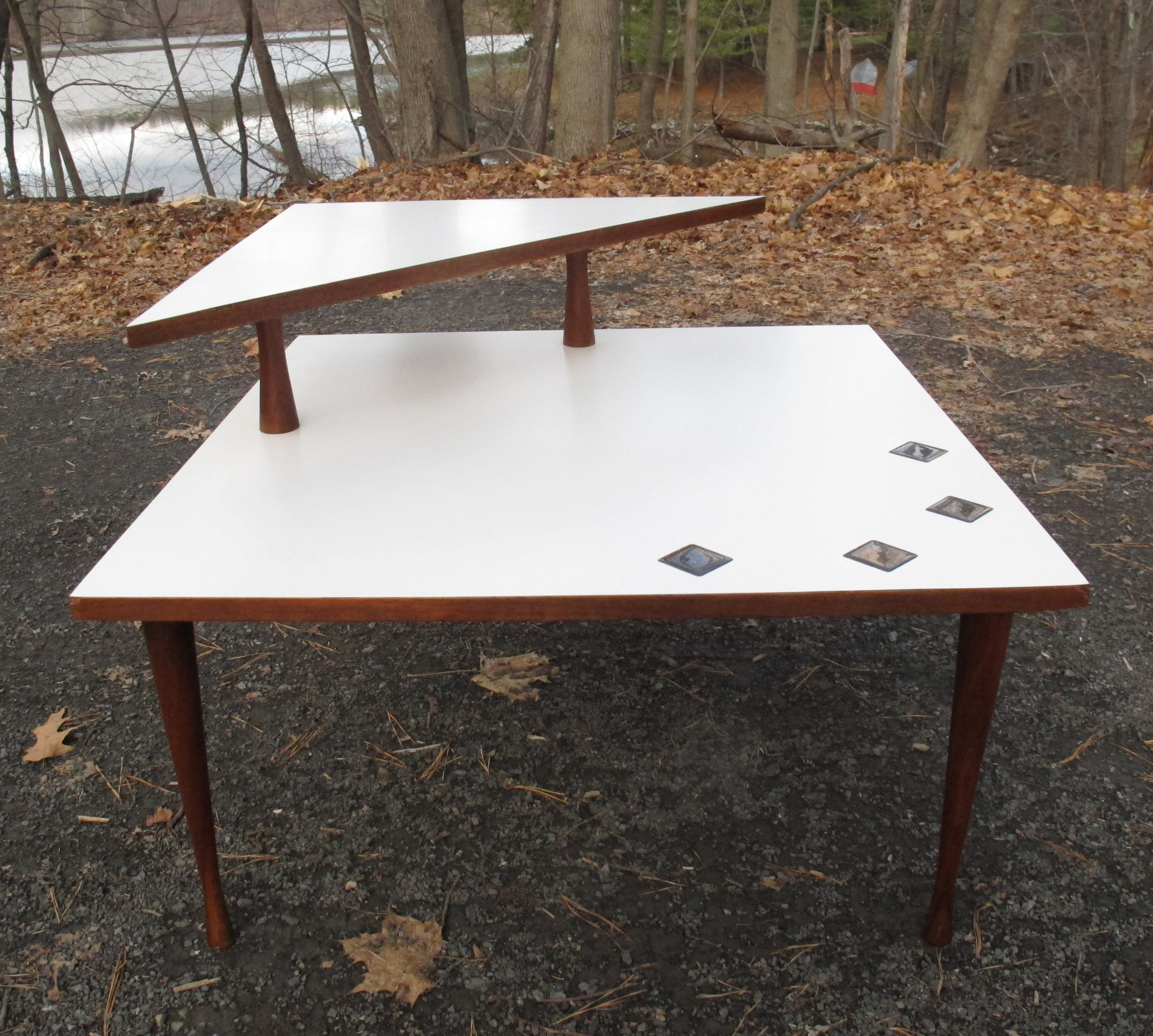 MID CENTURY SQUARE WHITE LAMINATE & WALNUT TWO-TIER CORNER TABLE