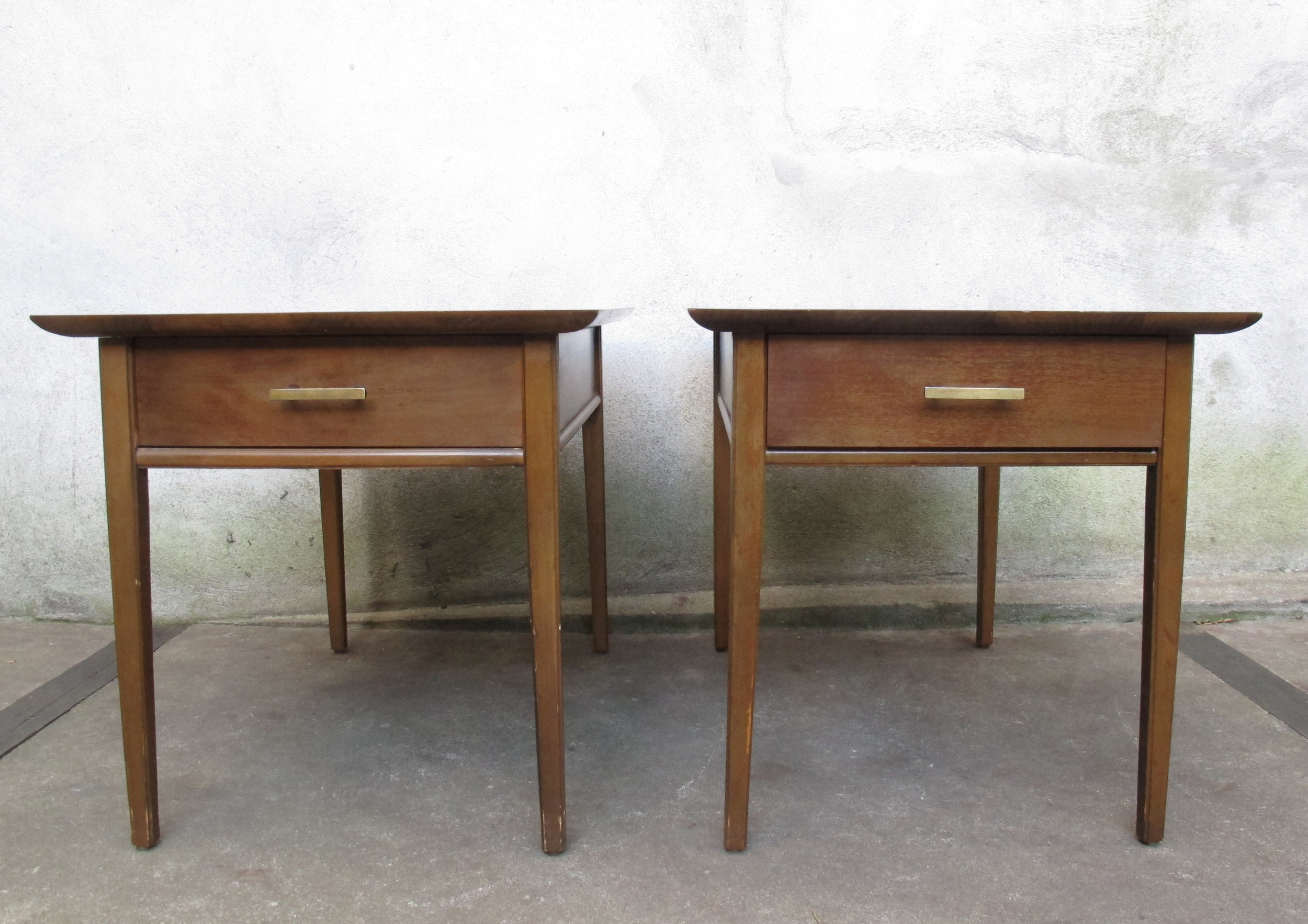 PAIR OF MID CENTURY WALNUT END TABLES BY STANLEY