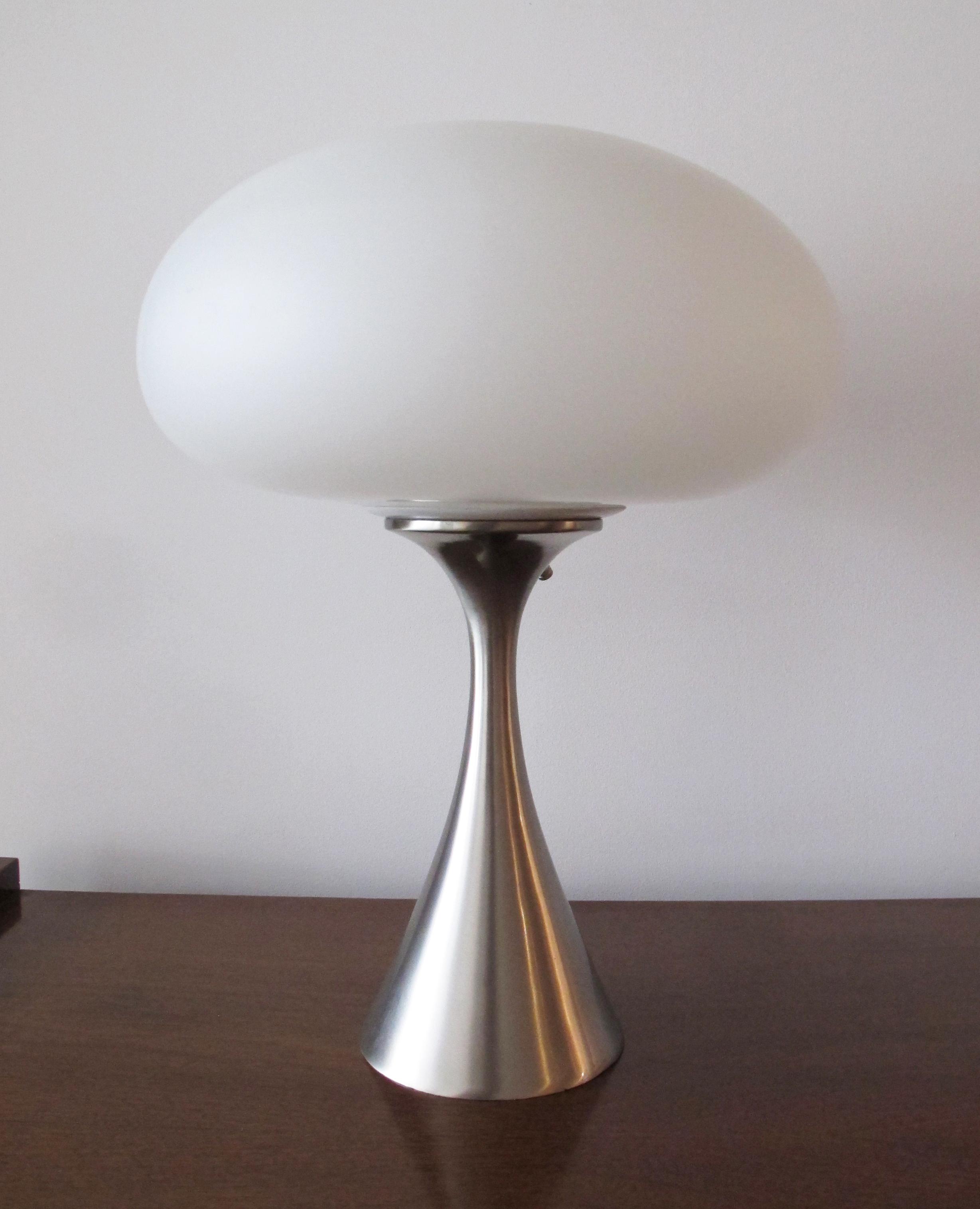 MID CENTURY LAUREL MUSHROOM LAMP