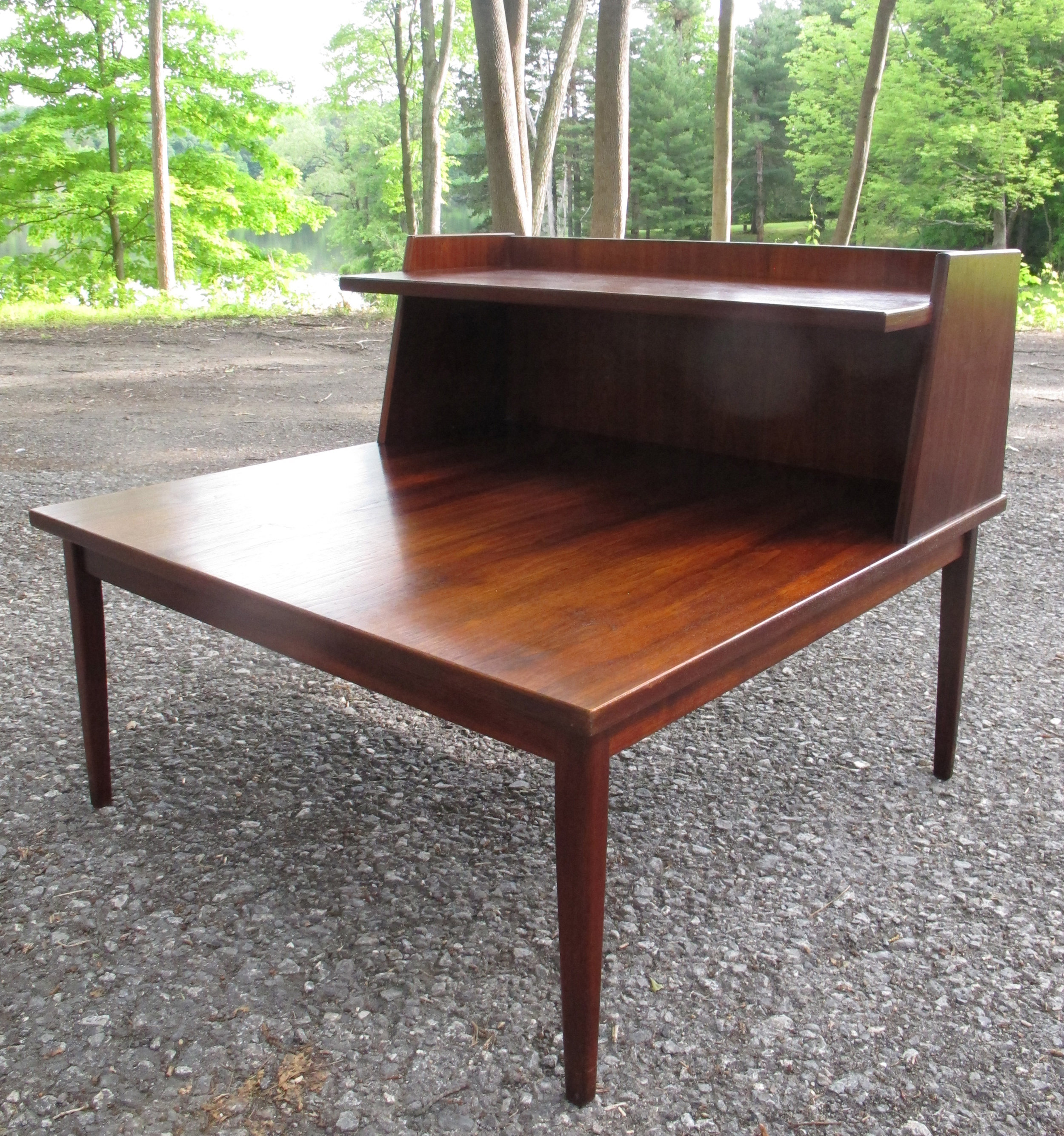 LARGE MID CENTURY MODERN WALNUT SIDE TABLE