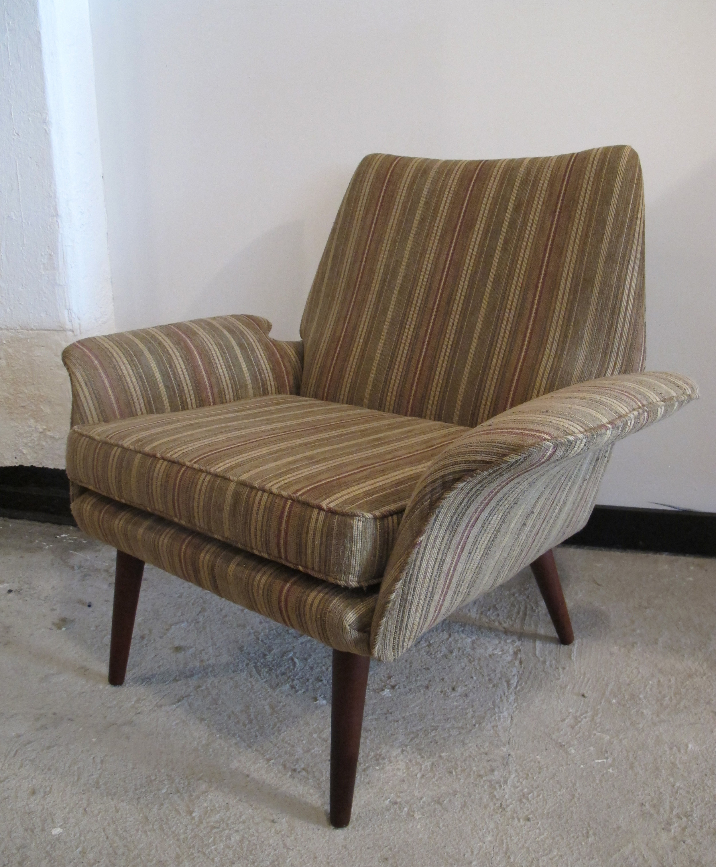 DANISH MODERN DUX STYLE UPHOLSTERED LOUNGE CHAIR
