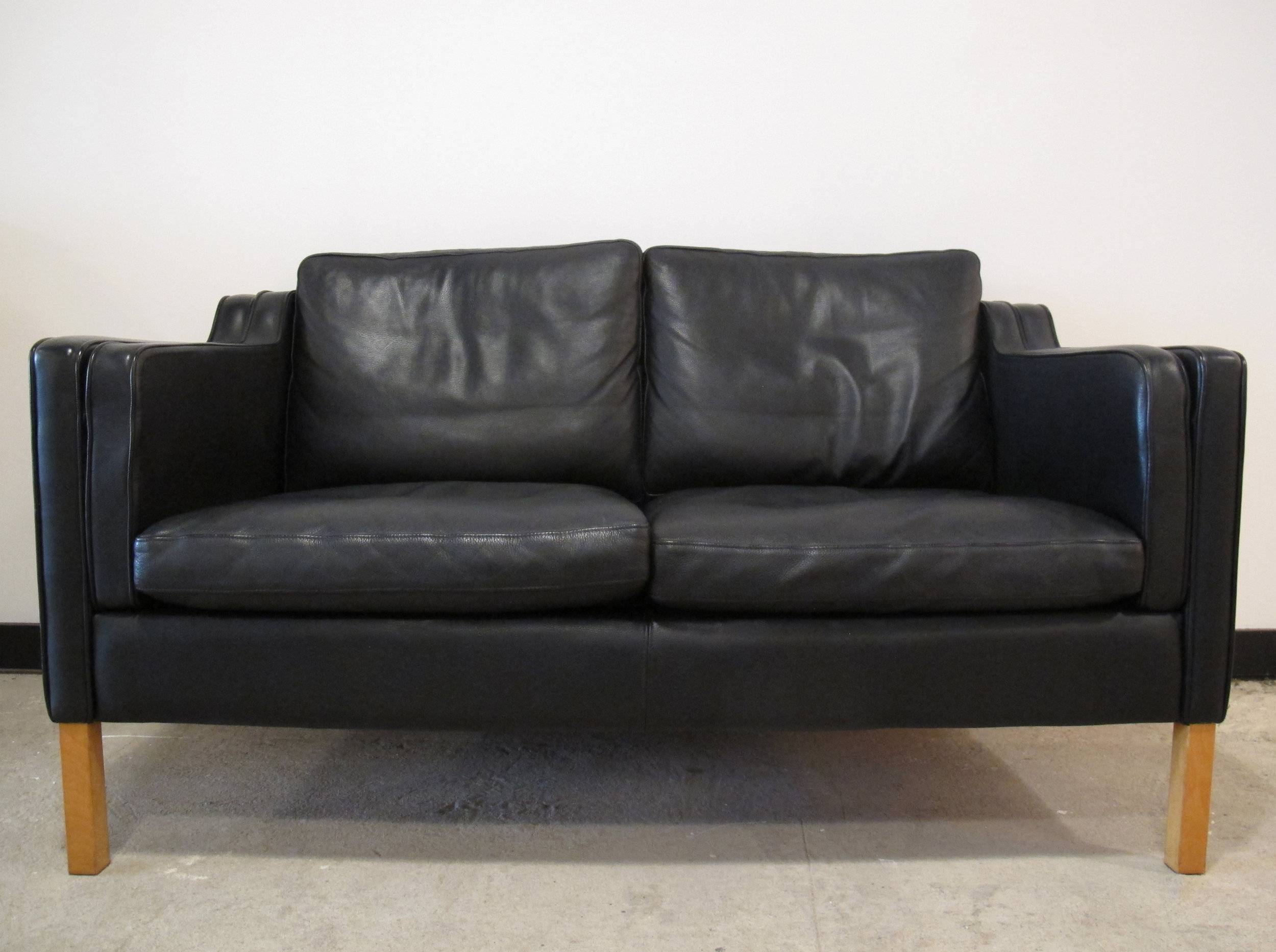 DANISH BORGE MOGENSEN STYLE LEATHER SOFA BY STOUBY