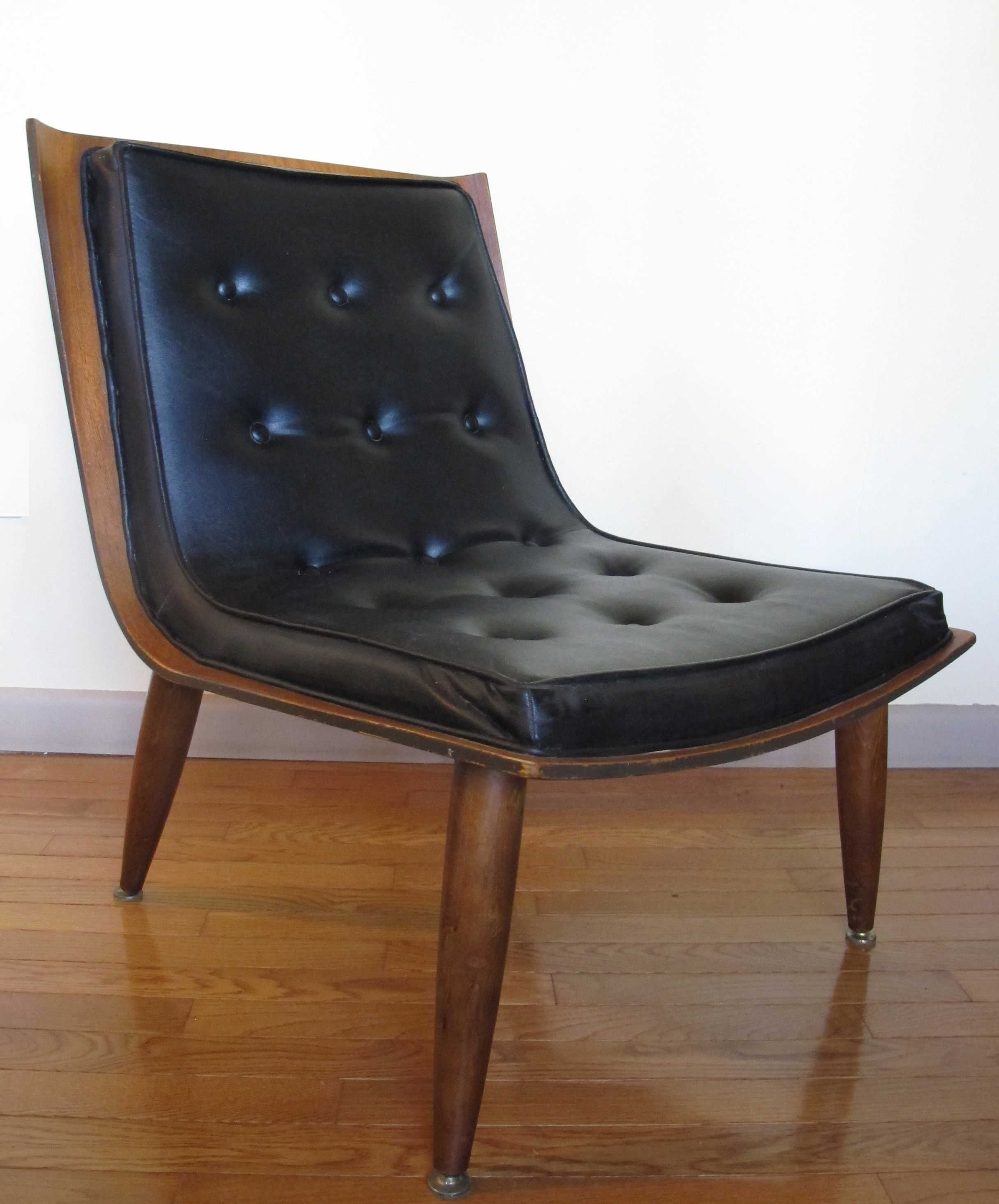 MID CENTURY SCOOP CHAIR BY CARTER BROS