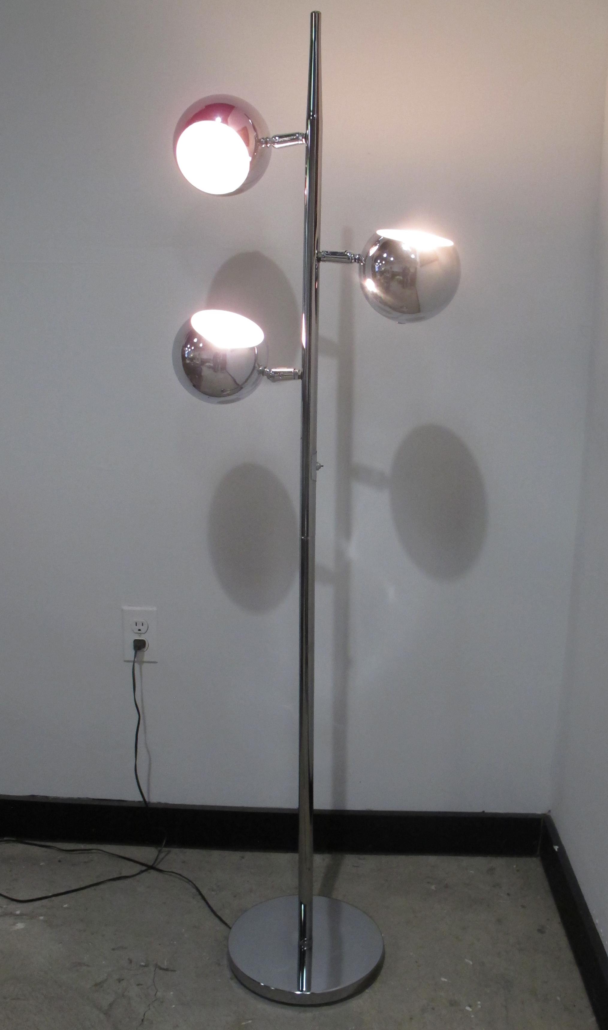 MID CENTURY CHROME THREE-BALL FLOOR LAMP