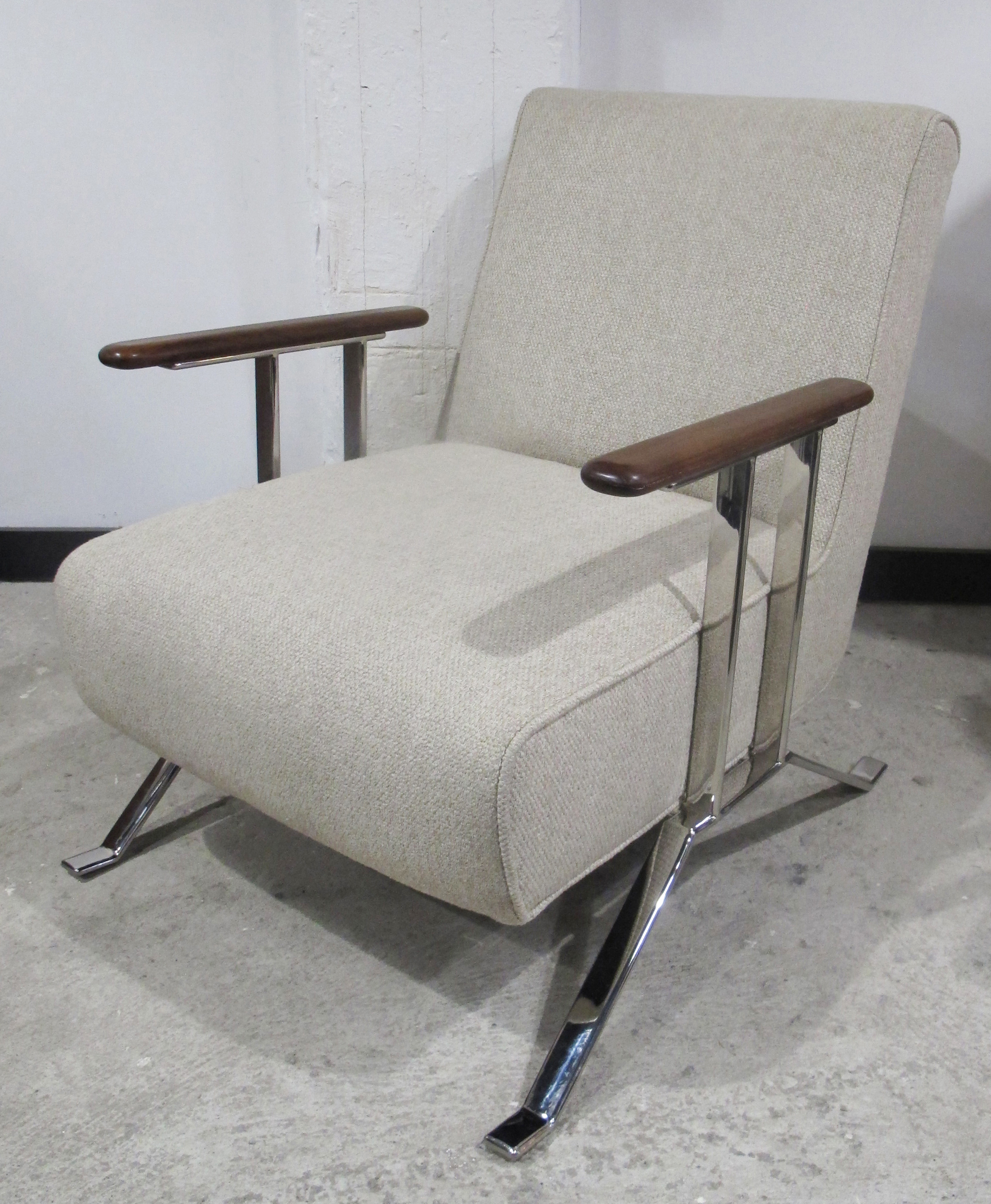 THAYER COGGIN LOUNGE CHAIR WITH SCULPTED WALNUT ARMRESTS & CHROME BASE