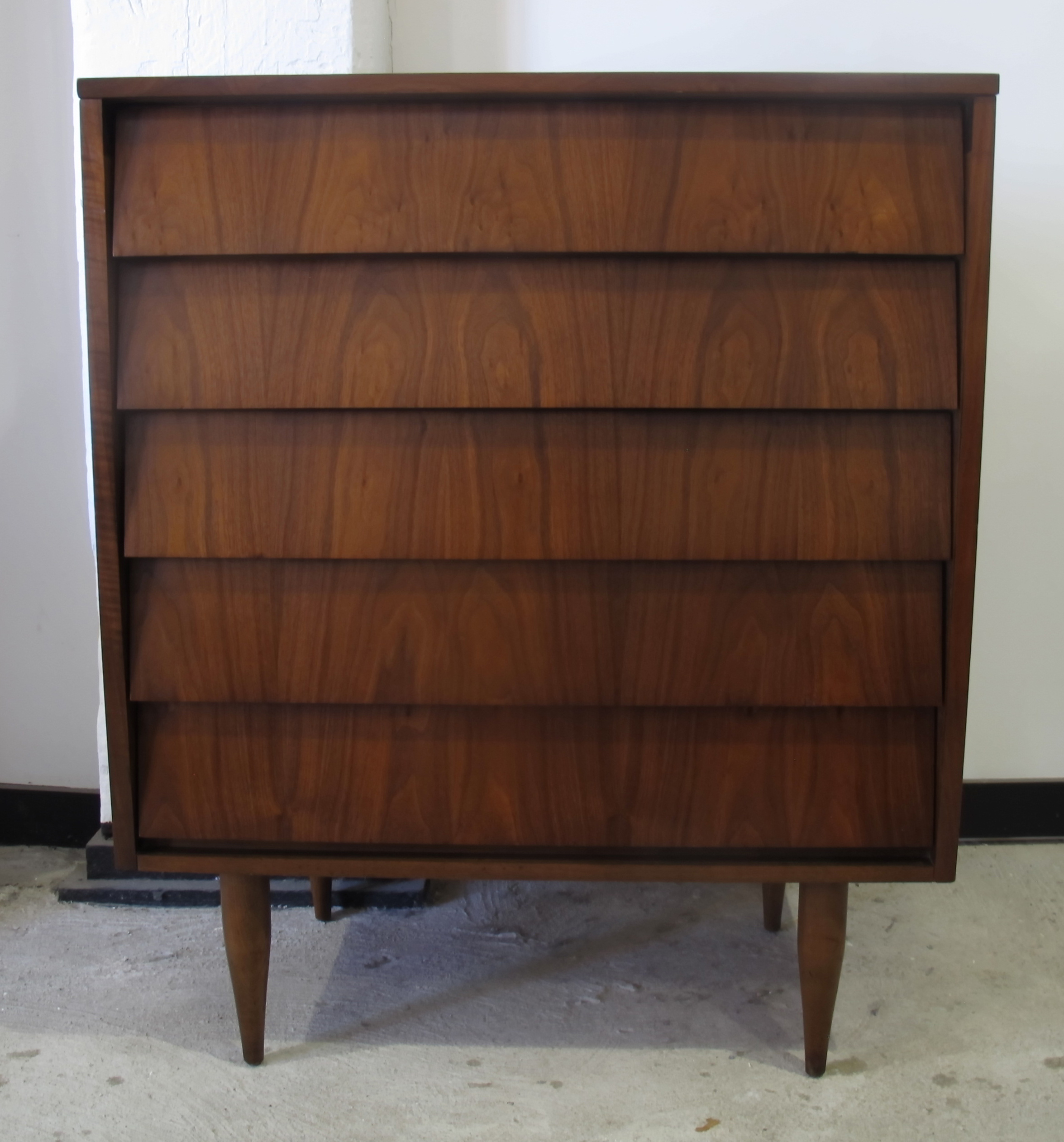 MID CENTURY FIVE DRAWER DRESSER