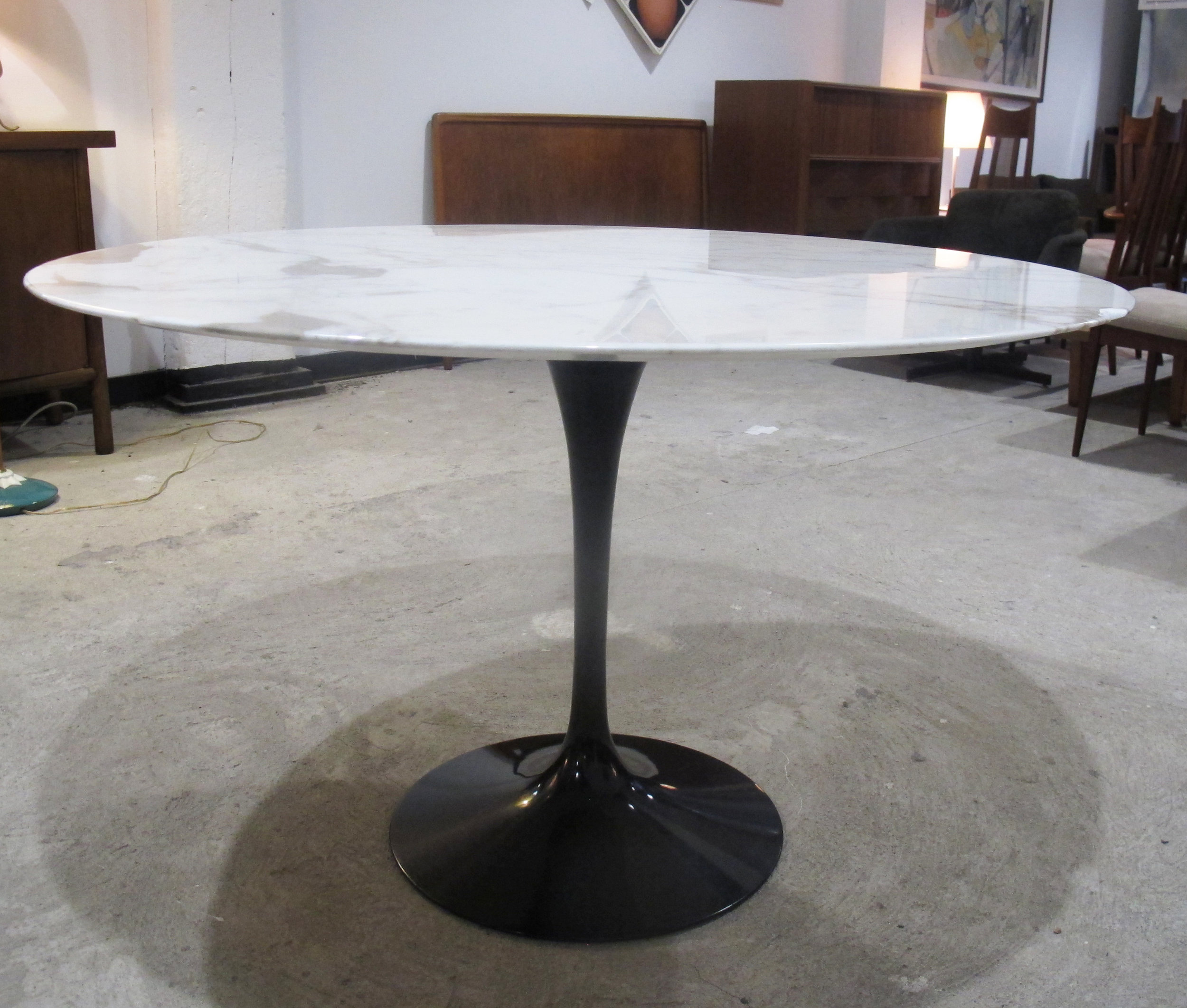 KNOLL SAARINEN CALACATTA MARBLE DINING TABLE WITH BLACK TULIP BASE
