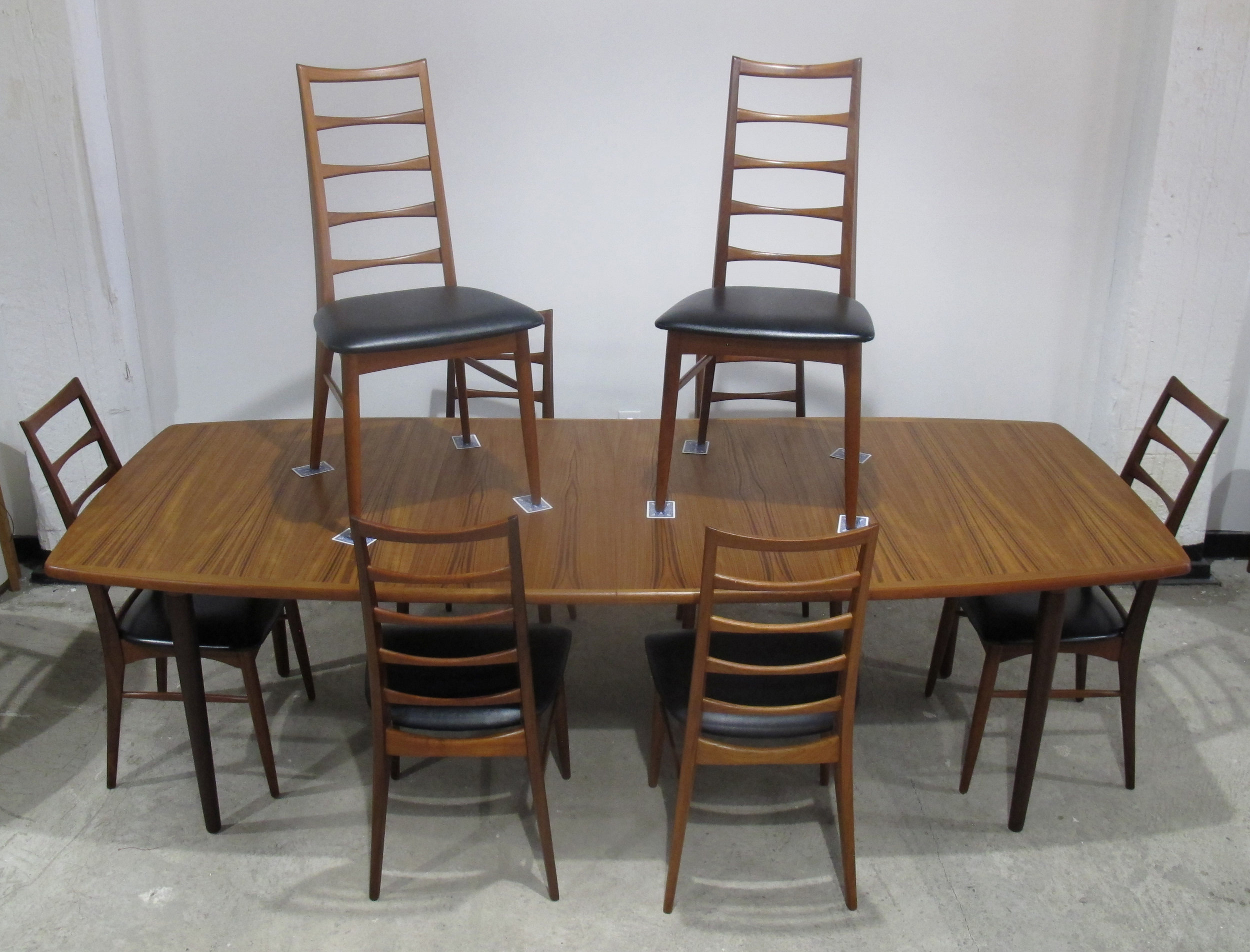 DANISH MODERN TEAK DINING TABLE AND CHAIR SET BY KOEFOEDS HORNSLET