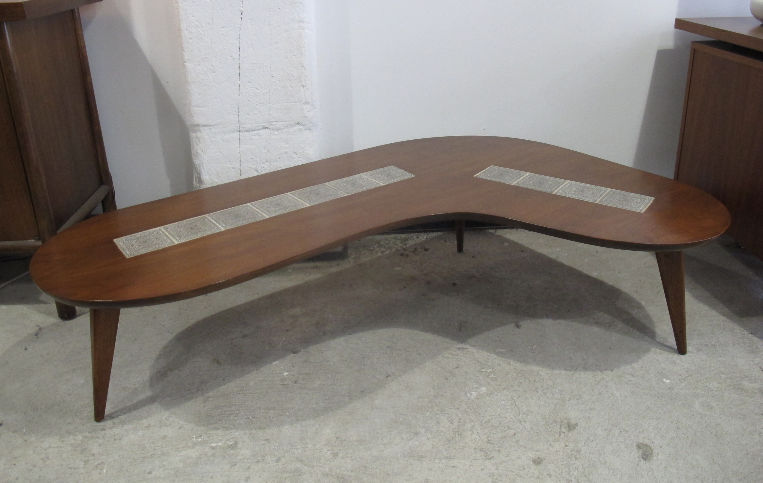 MID CENTURY TILED WALNUT BOOMERANG COFFEE TABLE