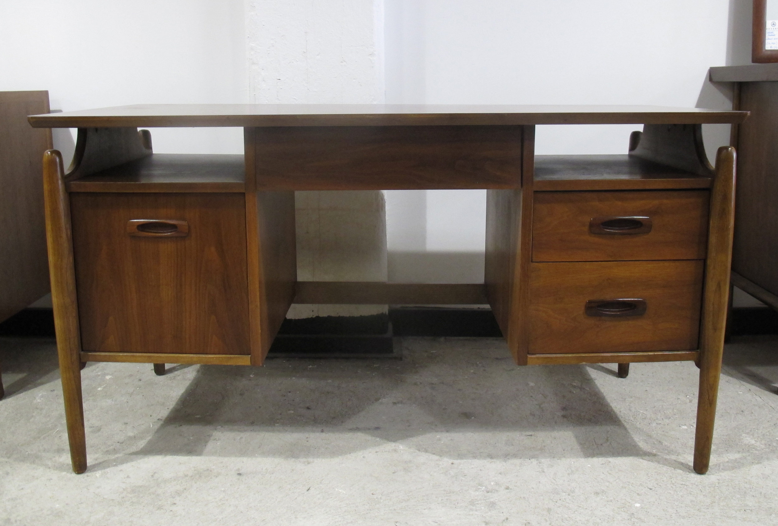 MID CENTURY FLOATING-TOP WALNUT DESK WITH ROSEWOOD PULLS